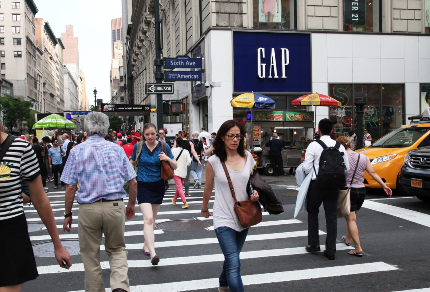Gap is no longer spinning off Old Navy, sending shares higher