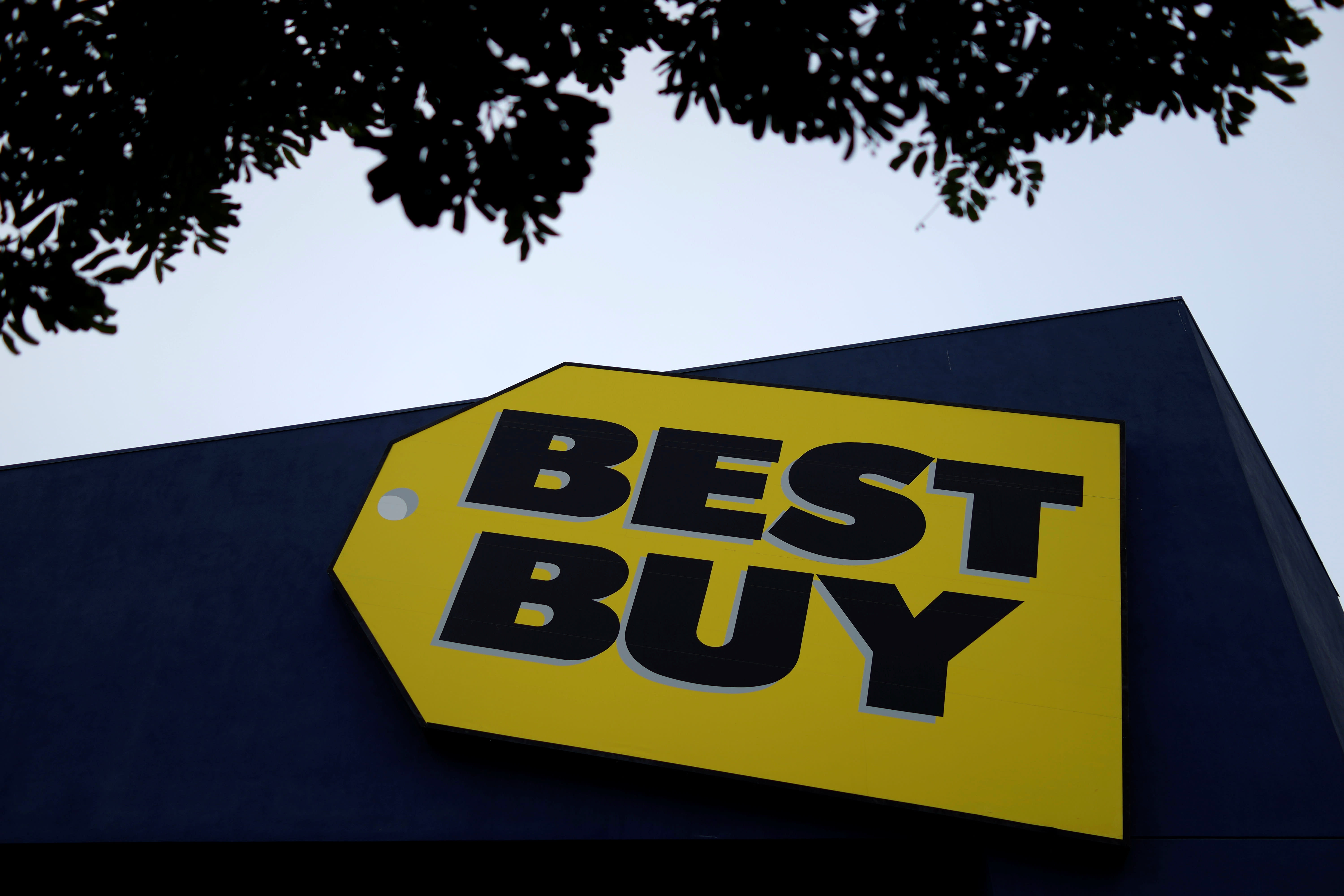 Best Buy shifts stores to curbside pickup only as demand surges for home office equipment