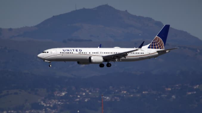 GP: United Airlines Boeing 737 Max 9 plane 190313