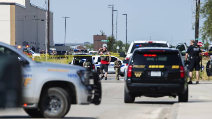 Shooting spree in Odessa, Texas area leaves 5 dead, 21 injured