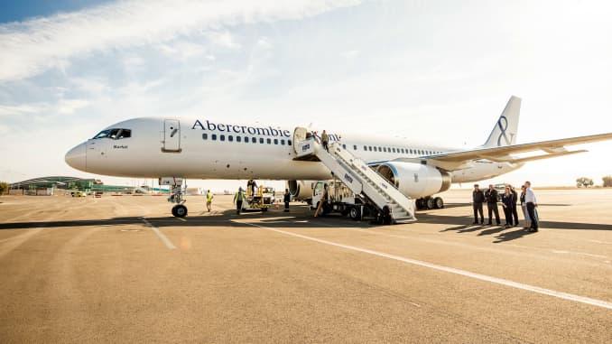 H/O: Abercrombie + Kent plane