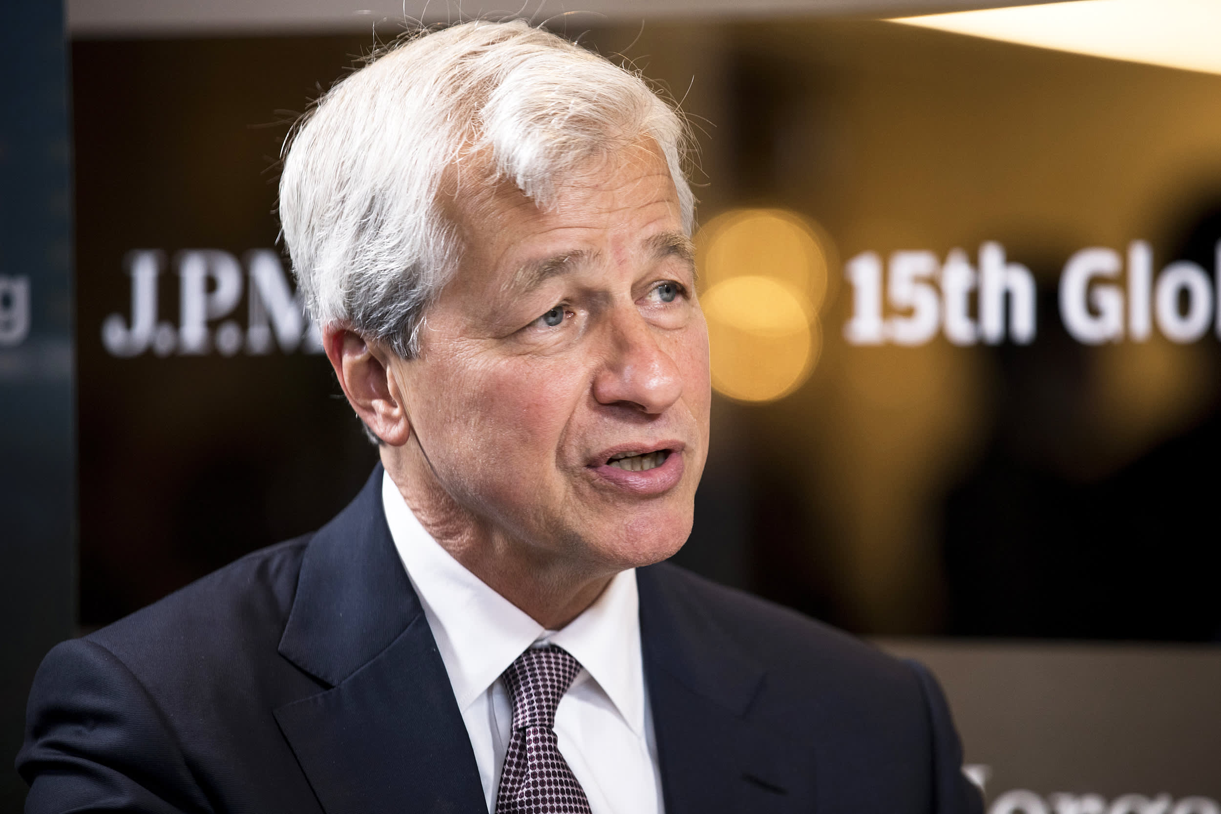 Jamie Dimon says JP Morgan is preparing for the risk of zero rates in the US