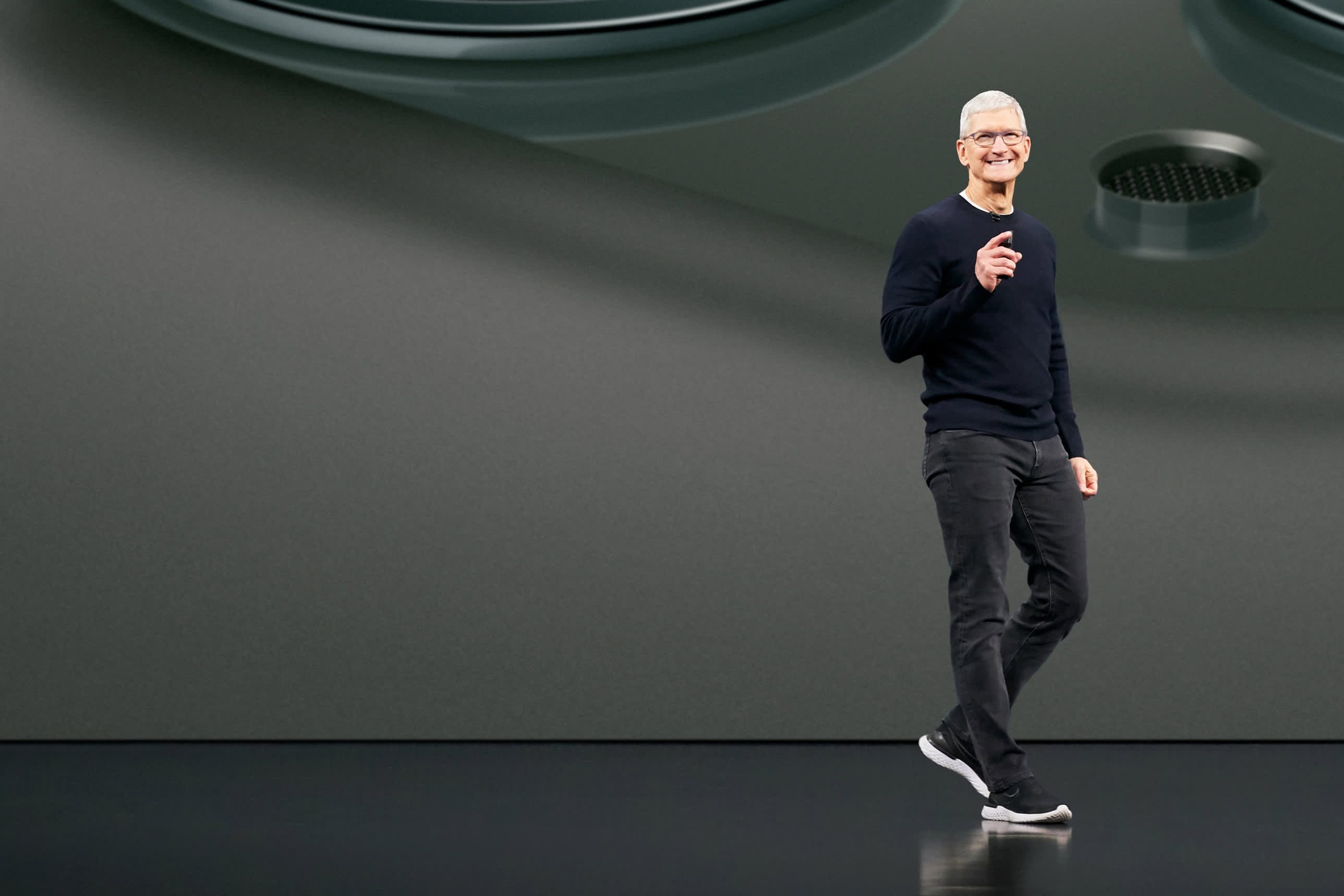 Apple touches $1 trillion market cap again after iPhone launch