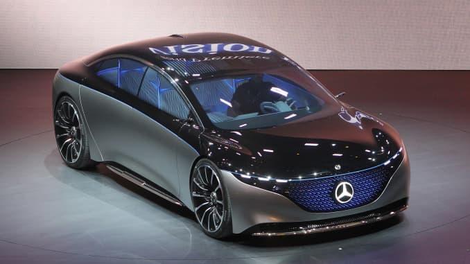 Mercedes Vision EQS của nhà sản xuất ô tô Đức Mercedes được chụp tại gian hàng của công ty tại triển lãm ô tô Frankfurt IAA 2019, ở Frankfurt am Main Đức, vào ngày 10 tháng 9 năm 2019.
