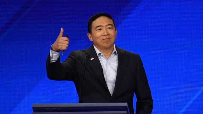 Andrew Yang Says He Will Give 1 000 A Month Ubi To 10 More Families