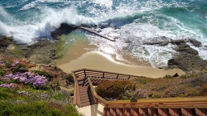 SLSR HANDOUT: 58 N LA SENDA LAGUNA BEACH 10