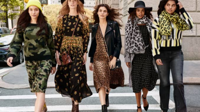 Walmart is bringing back trendy fashion brand Scoop