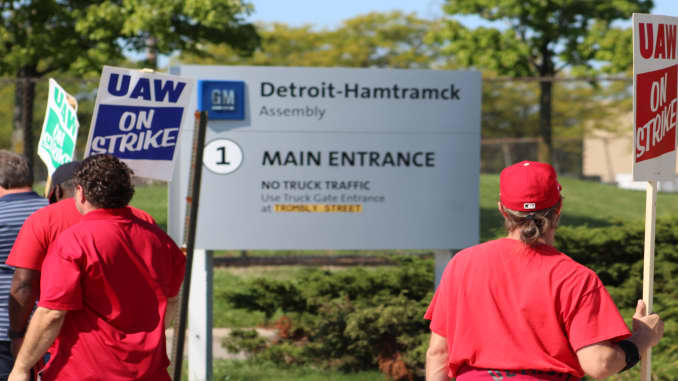 CNBC: GM-UAW strike Day 3 at Detroit-Hamtramck Assembly