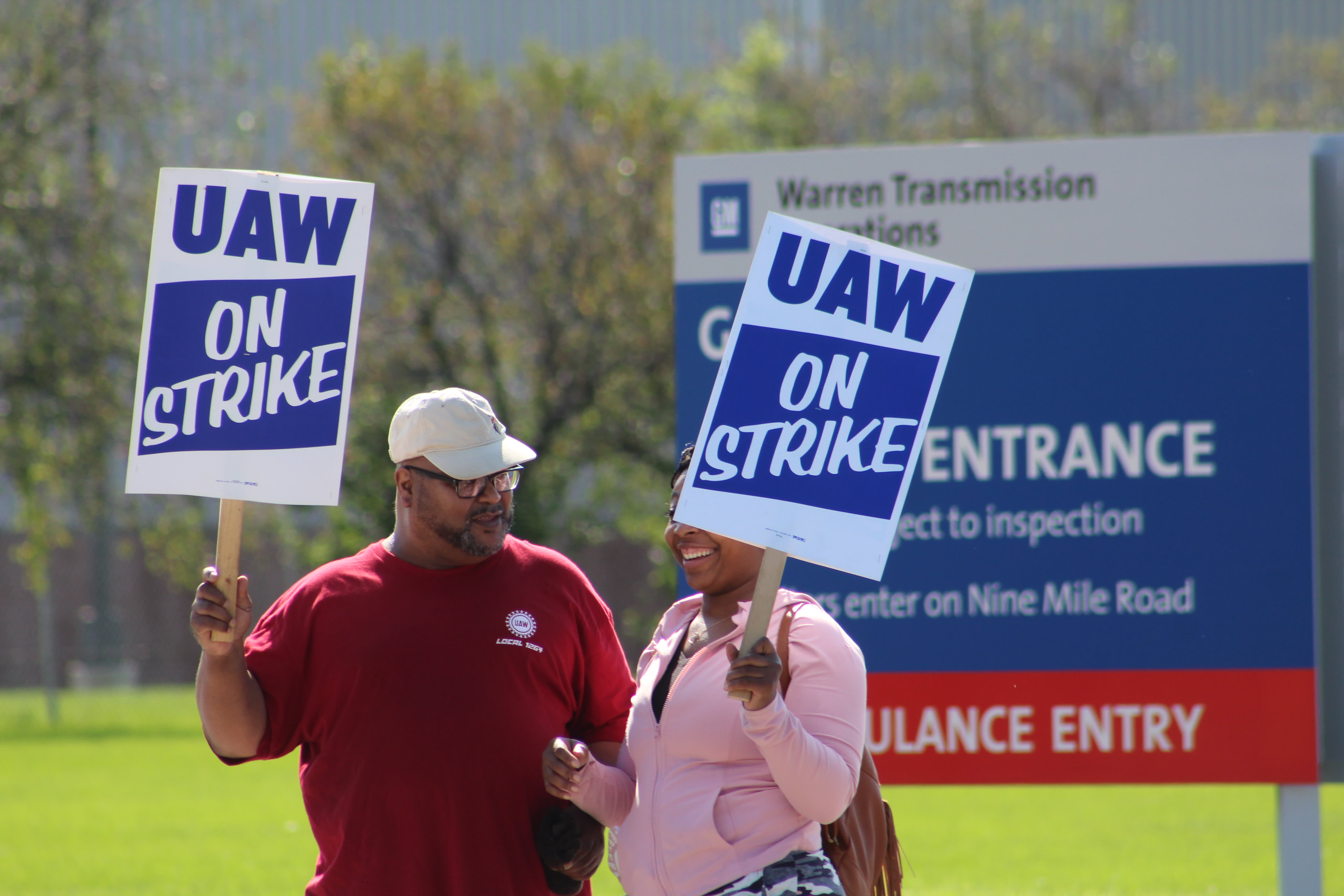 GM furloughs 1,200 additional US and Canadian workers as UAW strike enters second week