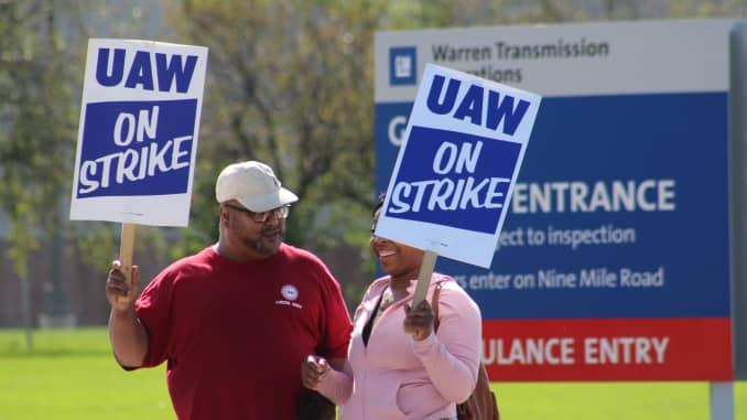 CNBC: GM-UAW strike Day 3 at Warren Transmission