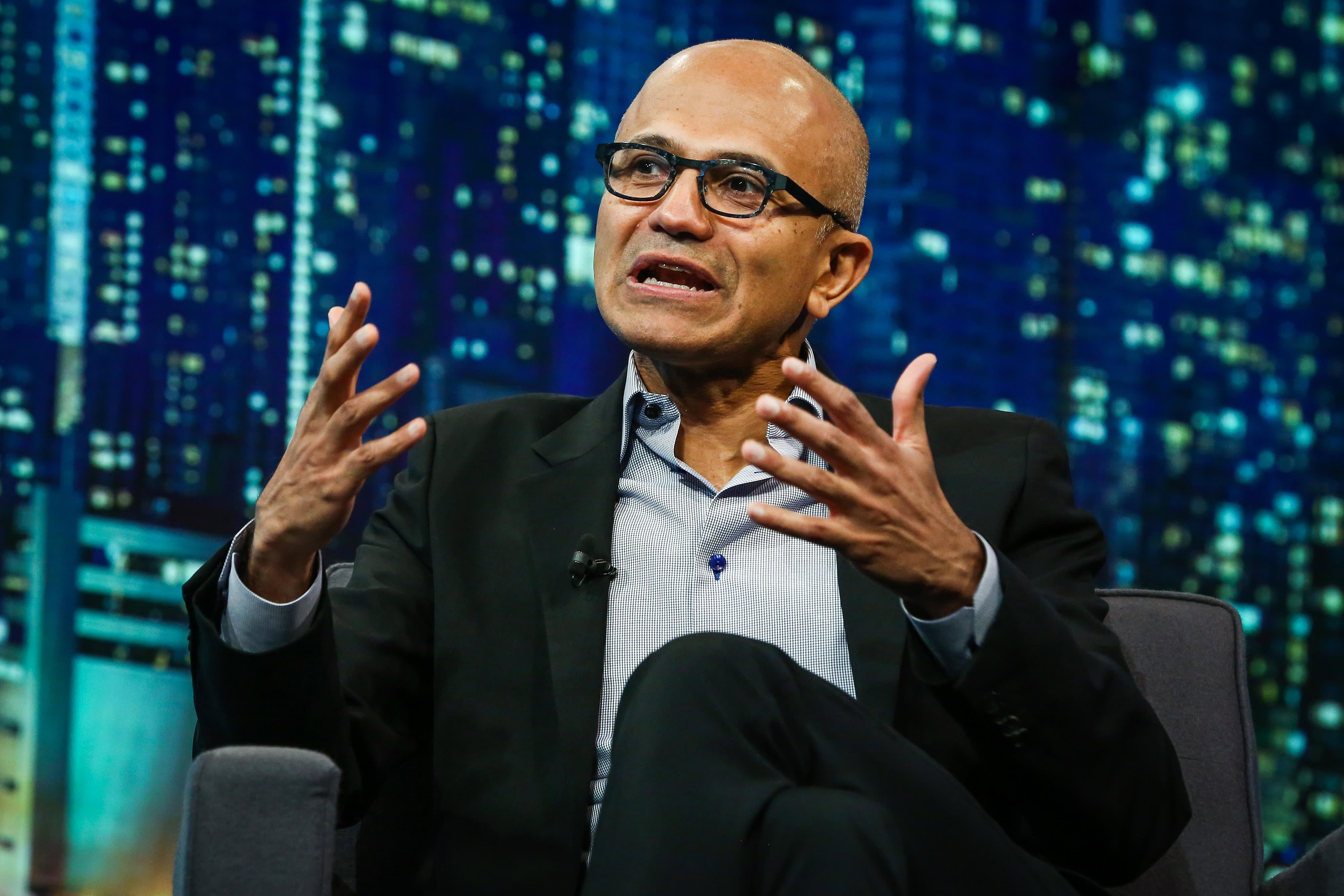 Microsoft Azure has an edge over Amazon Web Services at big companies, Goldman Sachs survey says