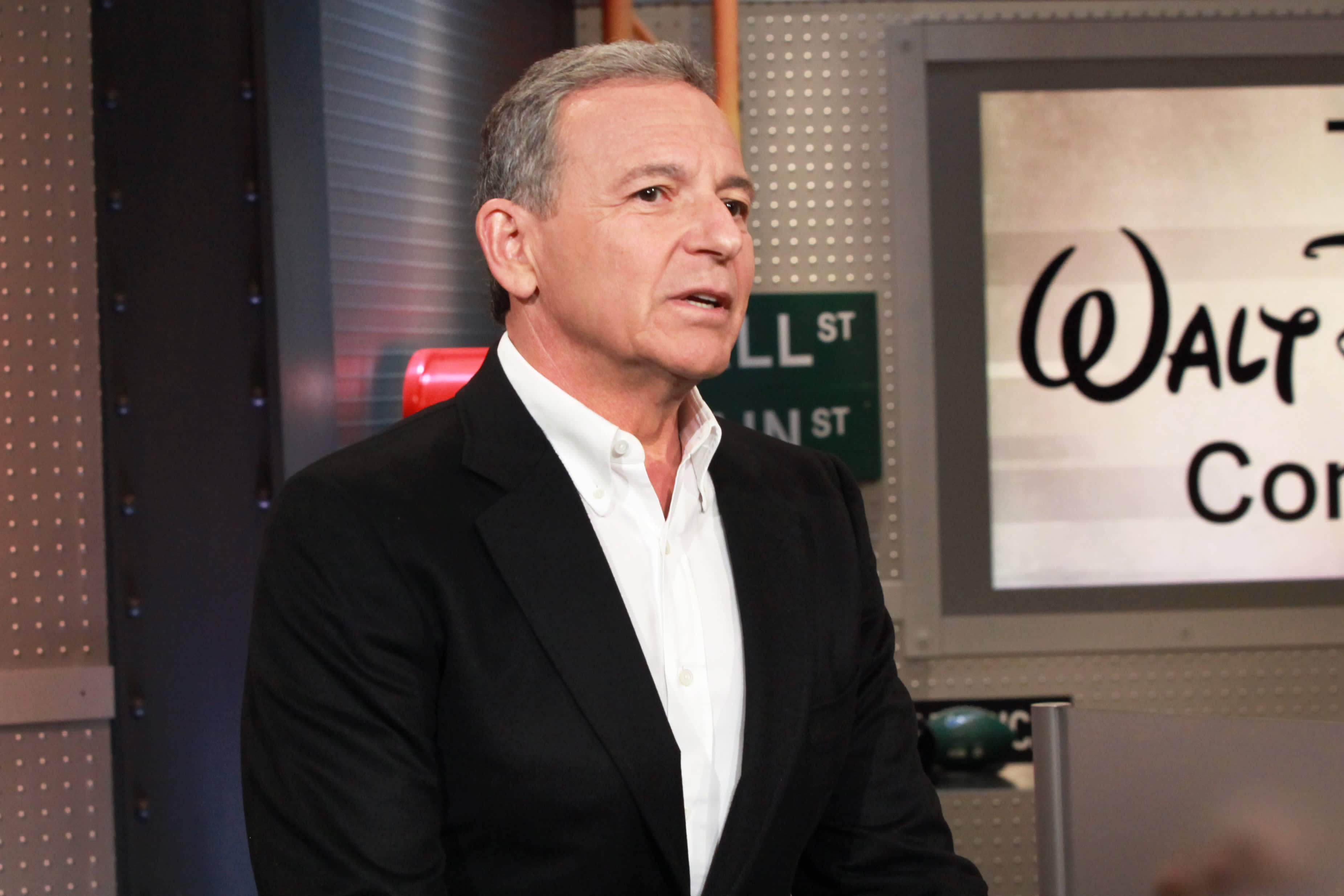 Disney CEO Bob Iger tells Jim Cramer why he had second thoughts on a Twitter deal — 'I got cold feet for the right reasons'