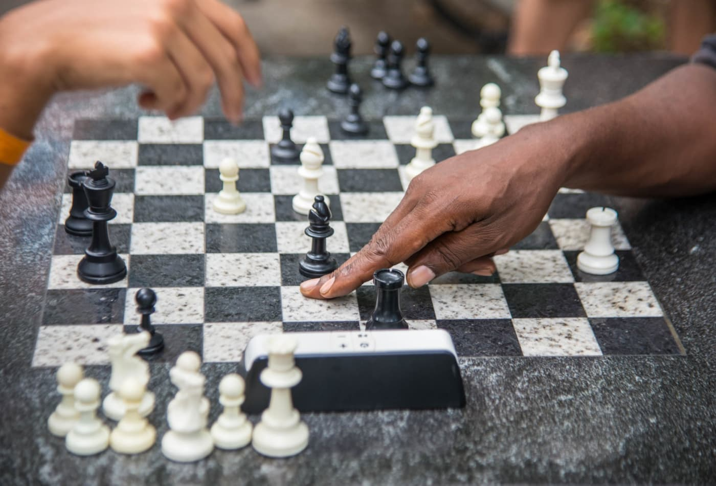 Chess grandmasters can lose 10 pounds and burn 6,000 calories just by sitting