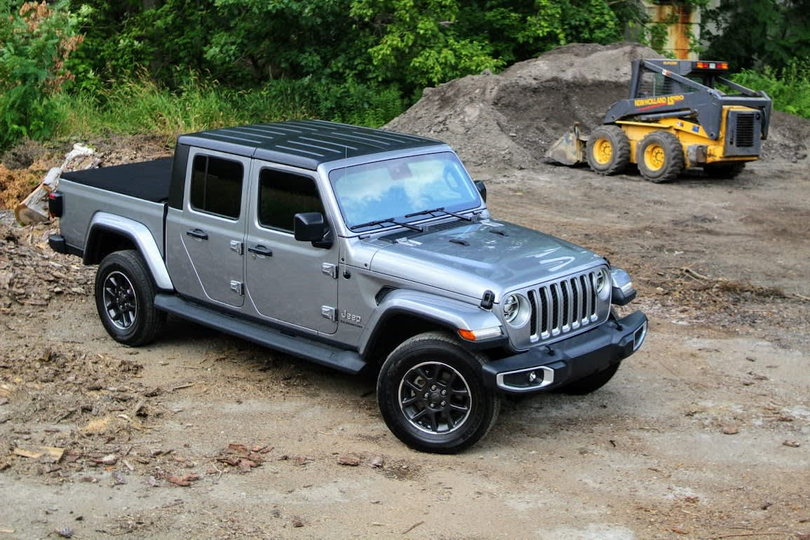 Review The 2019 Jeep Gladiator Pickup Is Extremely Cool Smartly Designed And Incredibly Capable