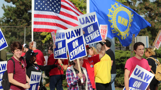 CNBC: UAW members picket GM Detroit Hamtramck