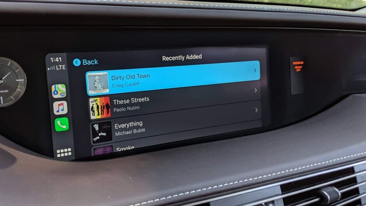 Easily control your music in CarPlay with iOS 13.