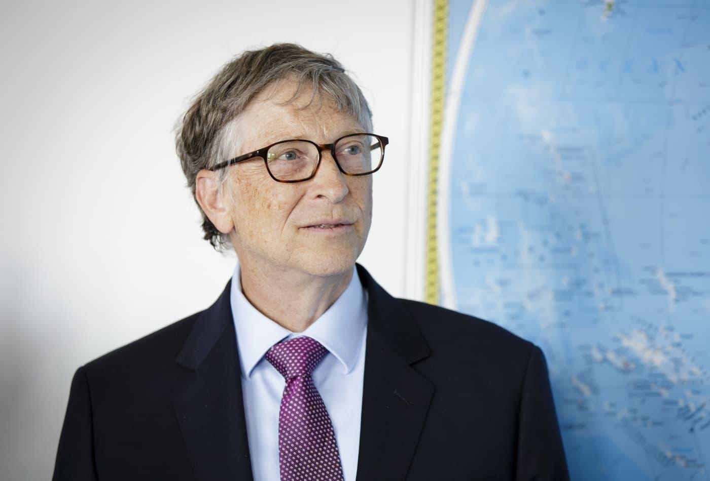 نتيجة بحث الصور عن Bill Gates + Bezos