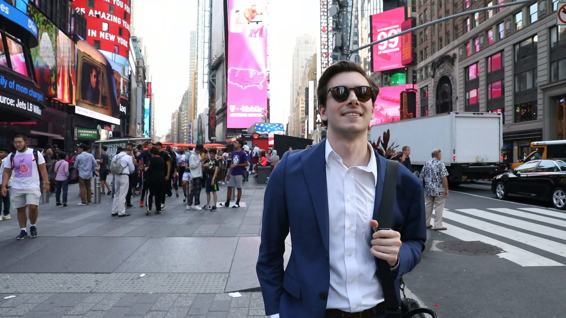 How a 23-year-old making $172,000 a year in New York City spends his money