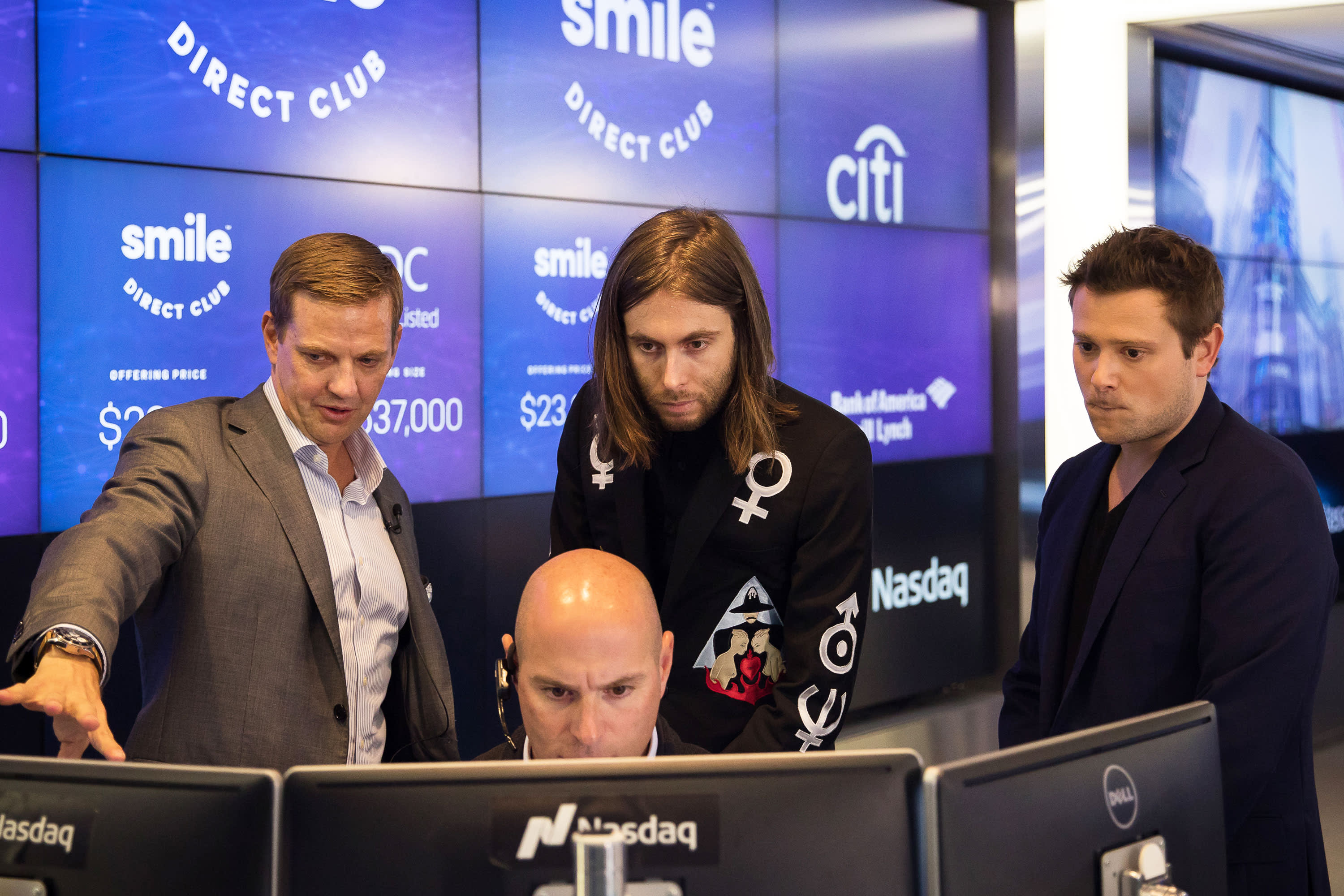 SmileDirectClub shares tank as much as 20% after first earnings report since IPO fails to impress