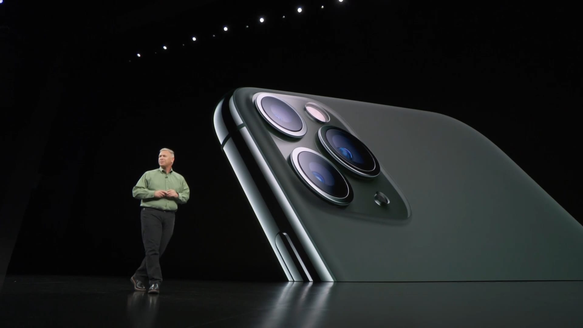 Apple's newest iPhone relies on cameras to hide its lack of innovation