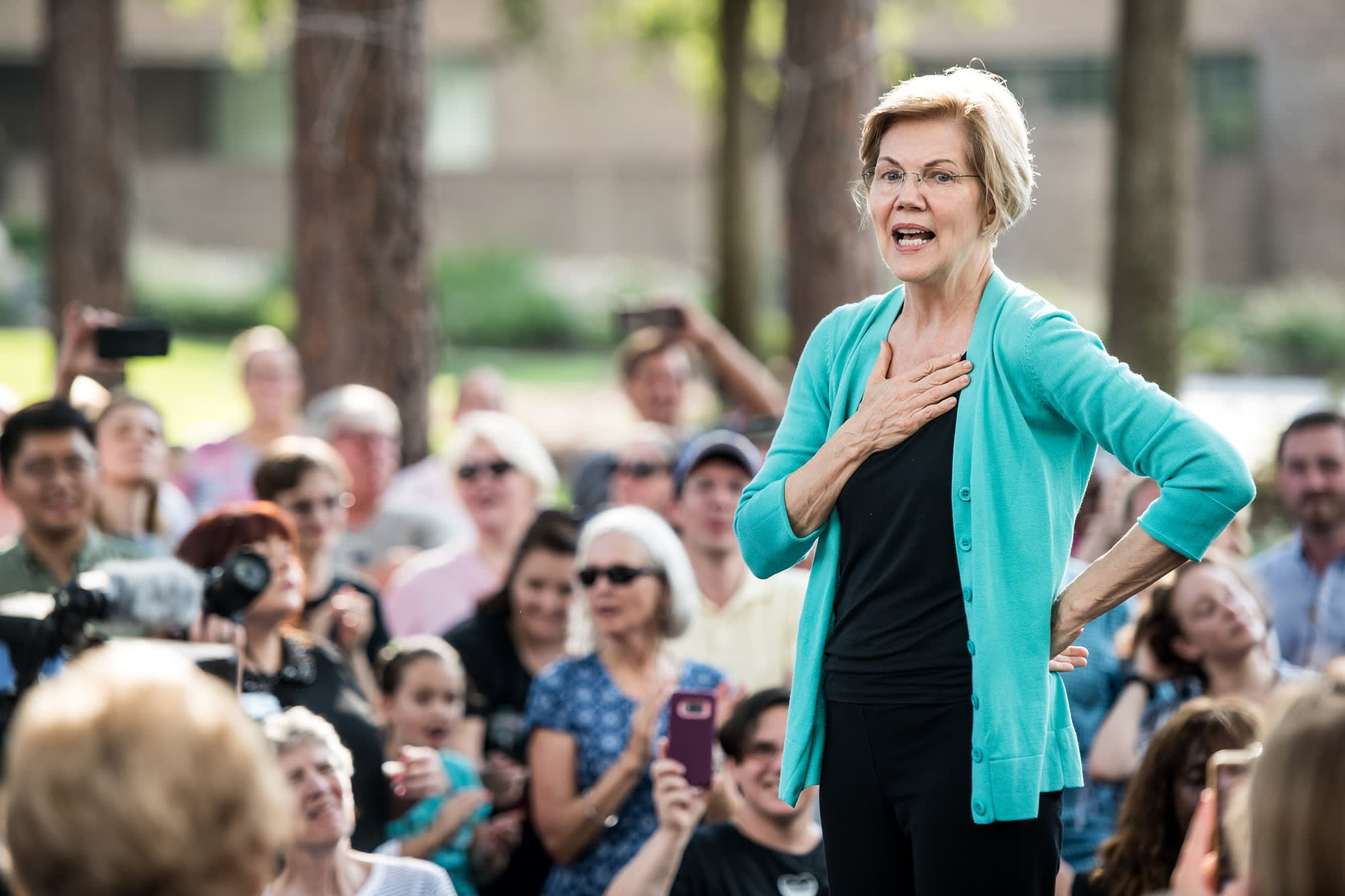 Elizabeth Warren says she was fired for being pregnant in 1971—that still happens today