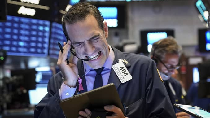 GP: NYSE traders Markets Open After Dropping Over 500 Points Previous Day