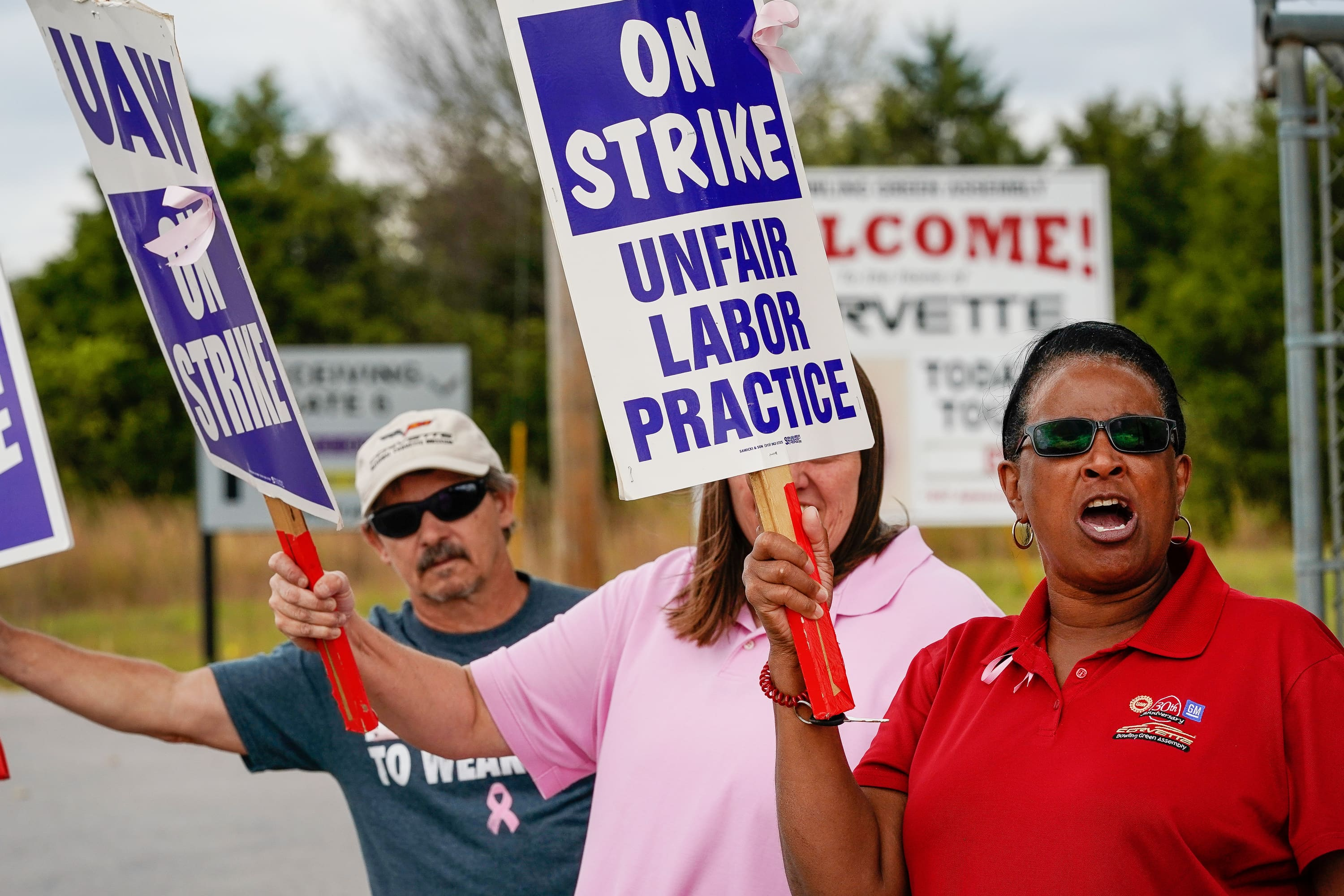 October job creation comes in at 128,000, easily topping estimates even with GM auto strike