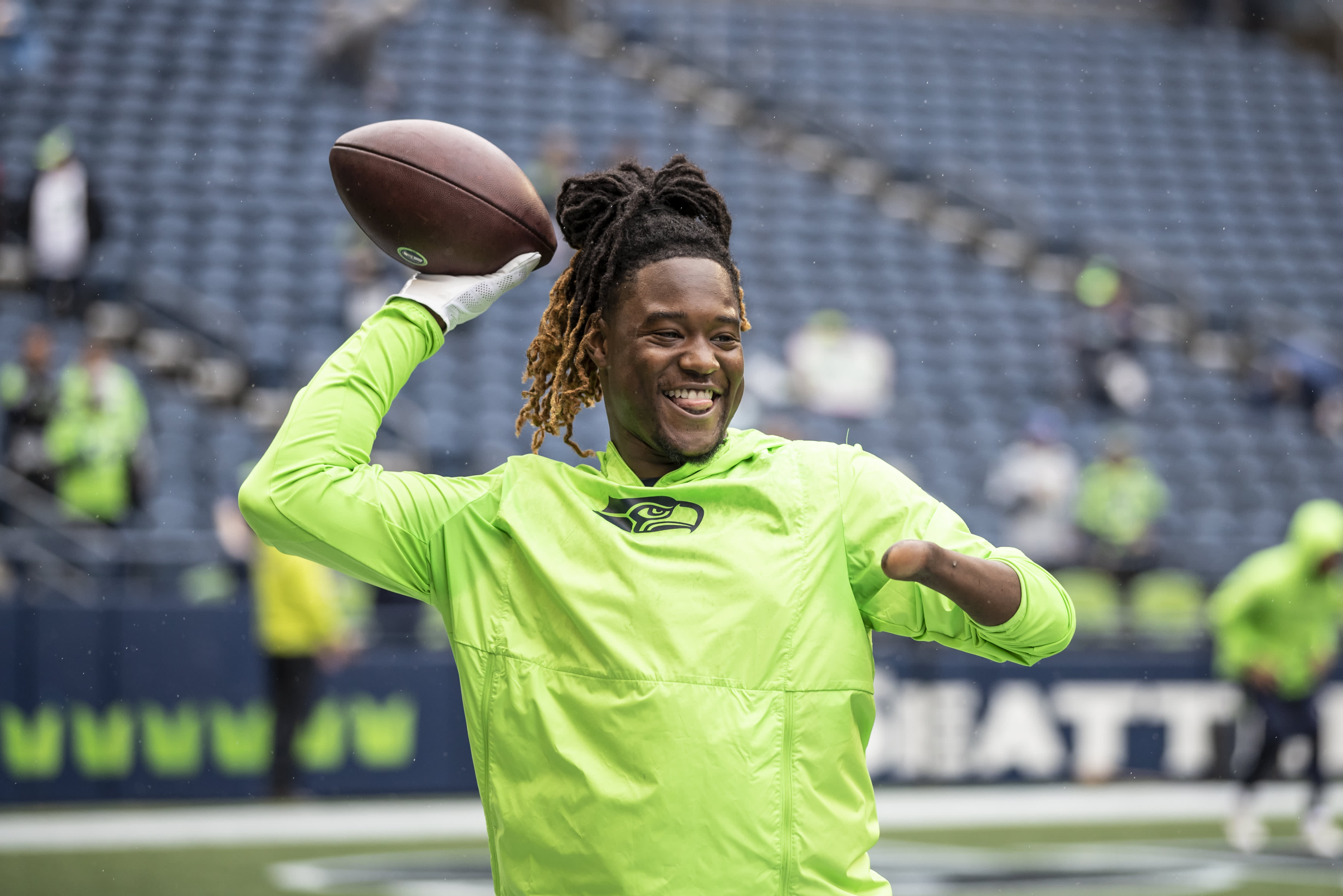 The off-season diet and workout plan that keeps one-handed NFL star Shaquem Griffin in shape