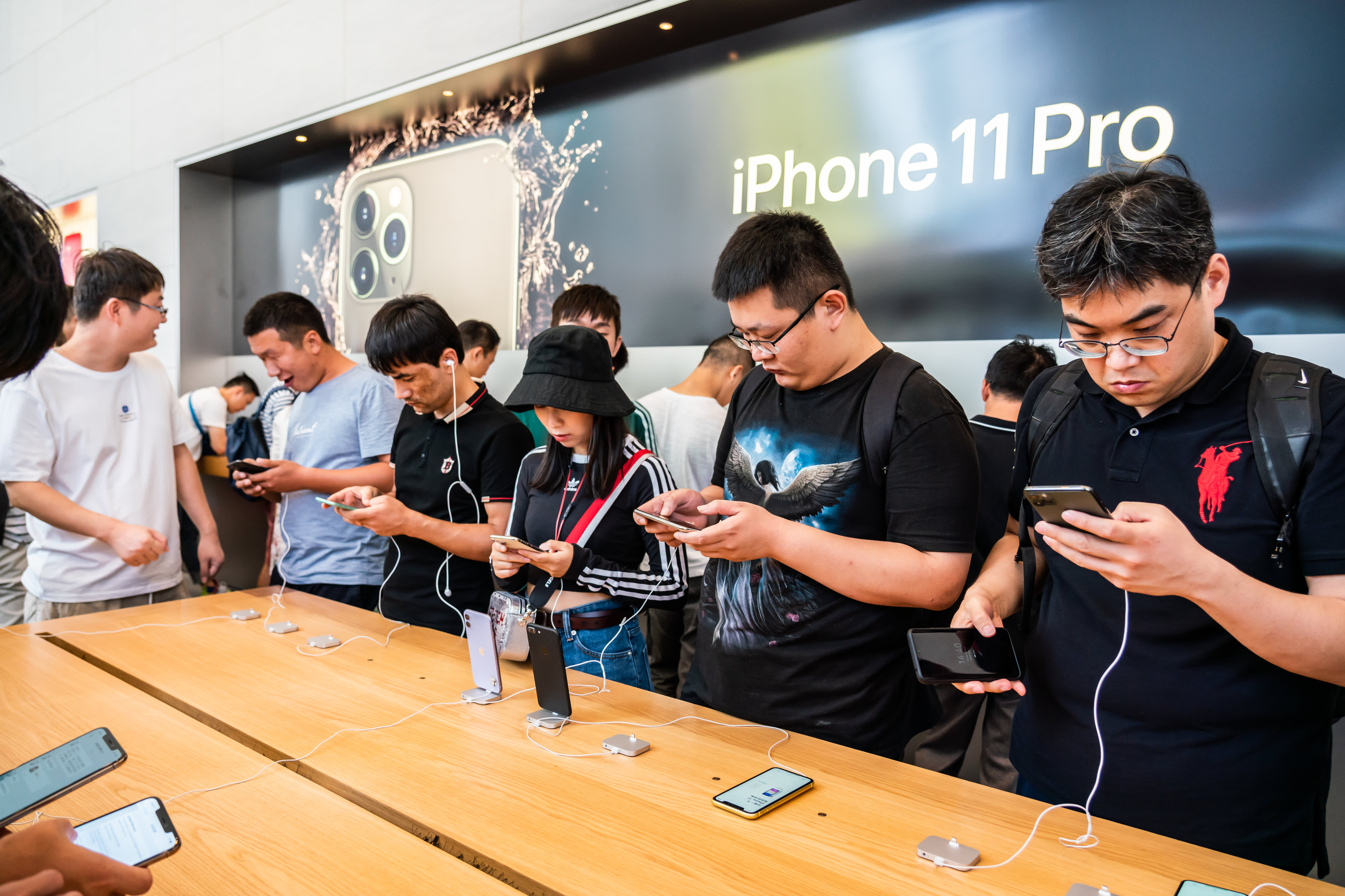 Apple is gearing up for massive shipments of 5G iPhones in 2020, Nikkei reports
