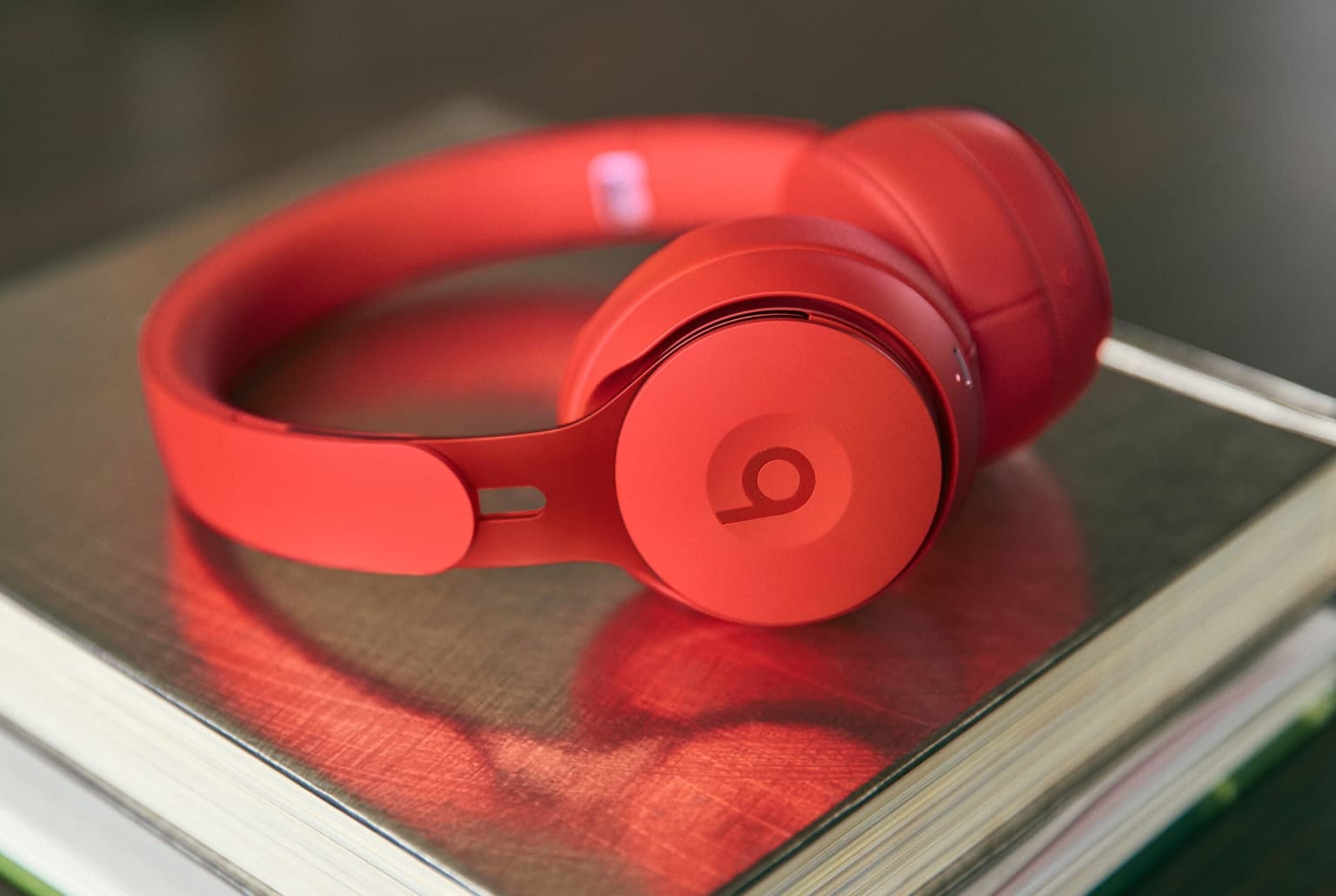 Apple's Beats just announced new noise-canceling headphones with 'Hey Siri'