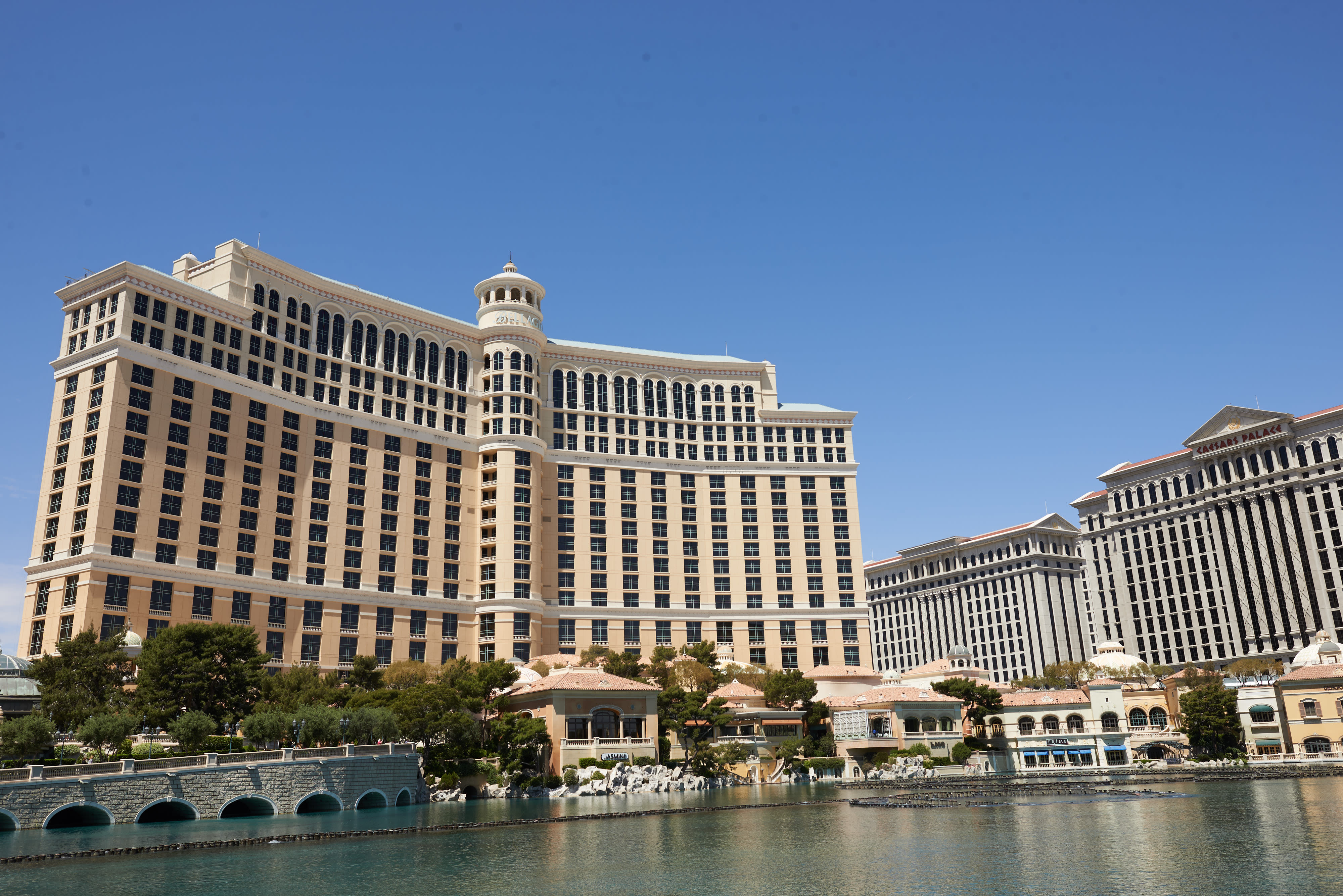 MGM Resorts to sell Circus Circus for $825 million, strikes deal to lease back Bellagio