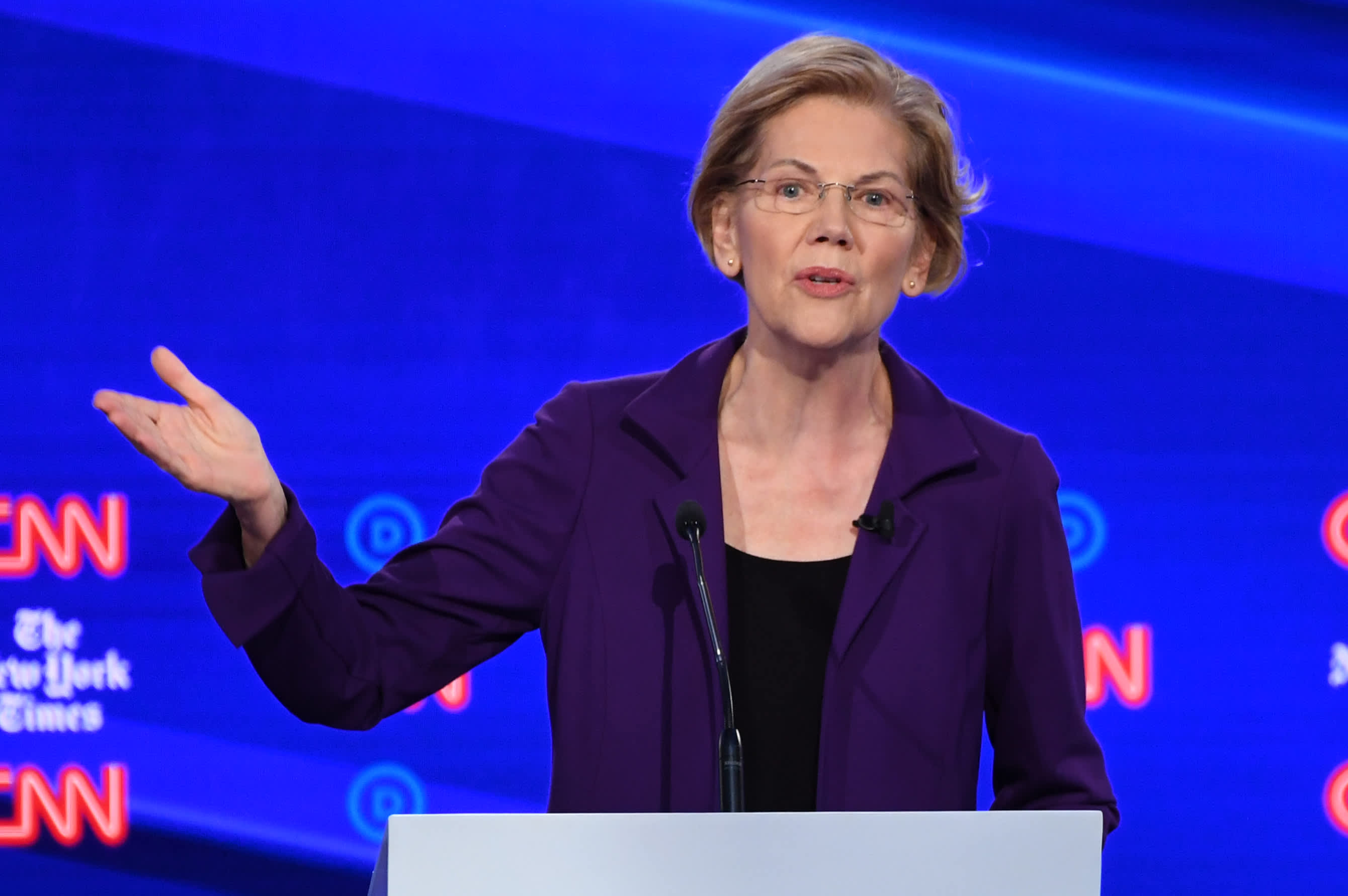 Elizabeth Warren's wealth tax won't be 'a big deal,' says investor Mark Mobius