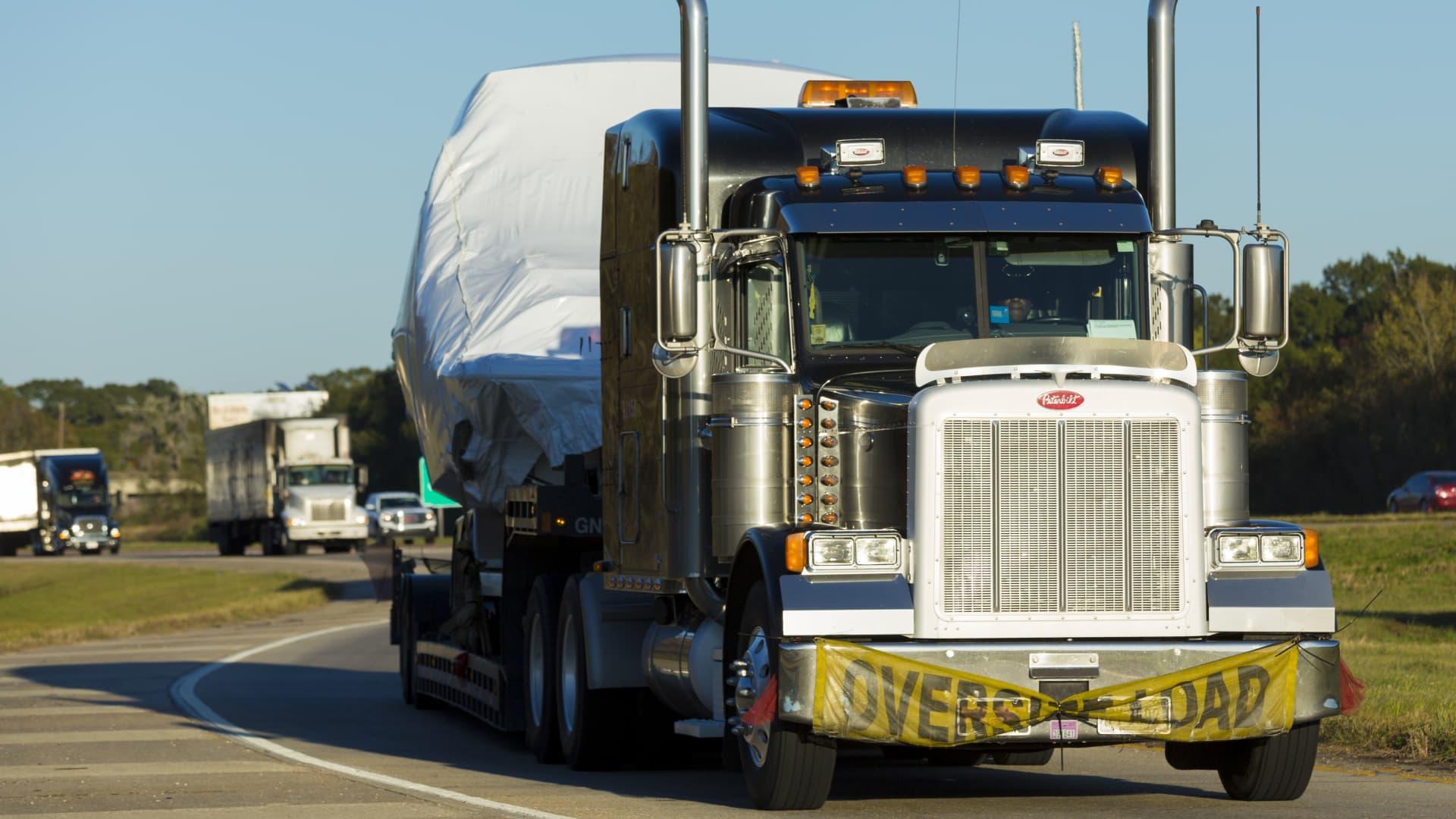 American Peterbilt truck on trucking route Interstate 10 in Louisiana.