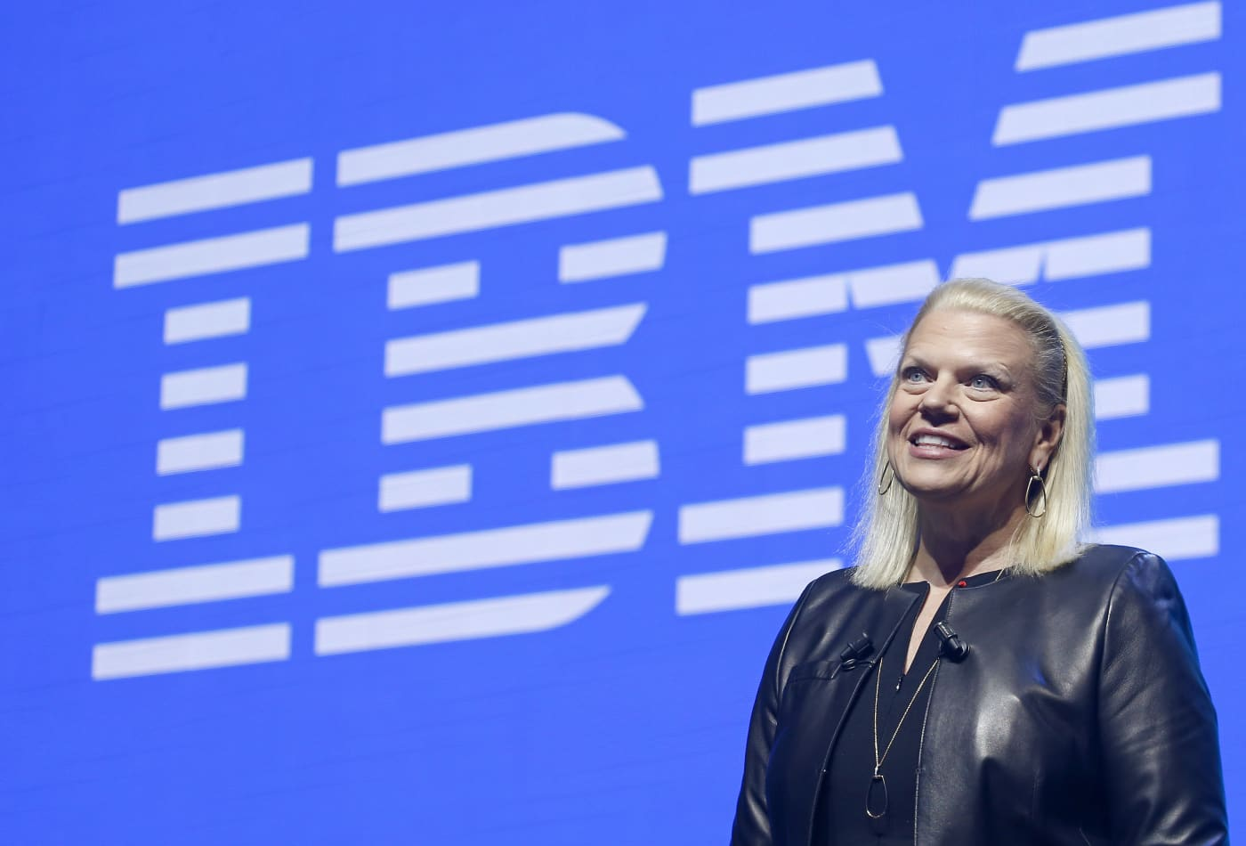 IBM rises as much as 5% on strong earnings report