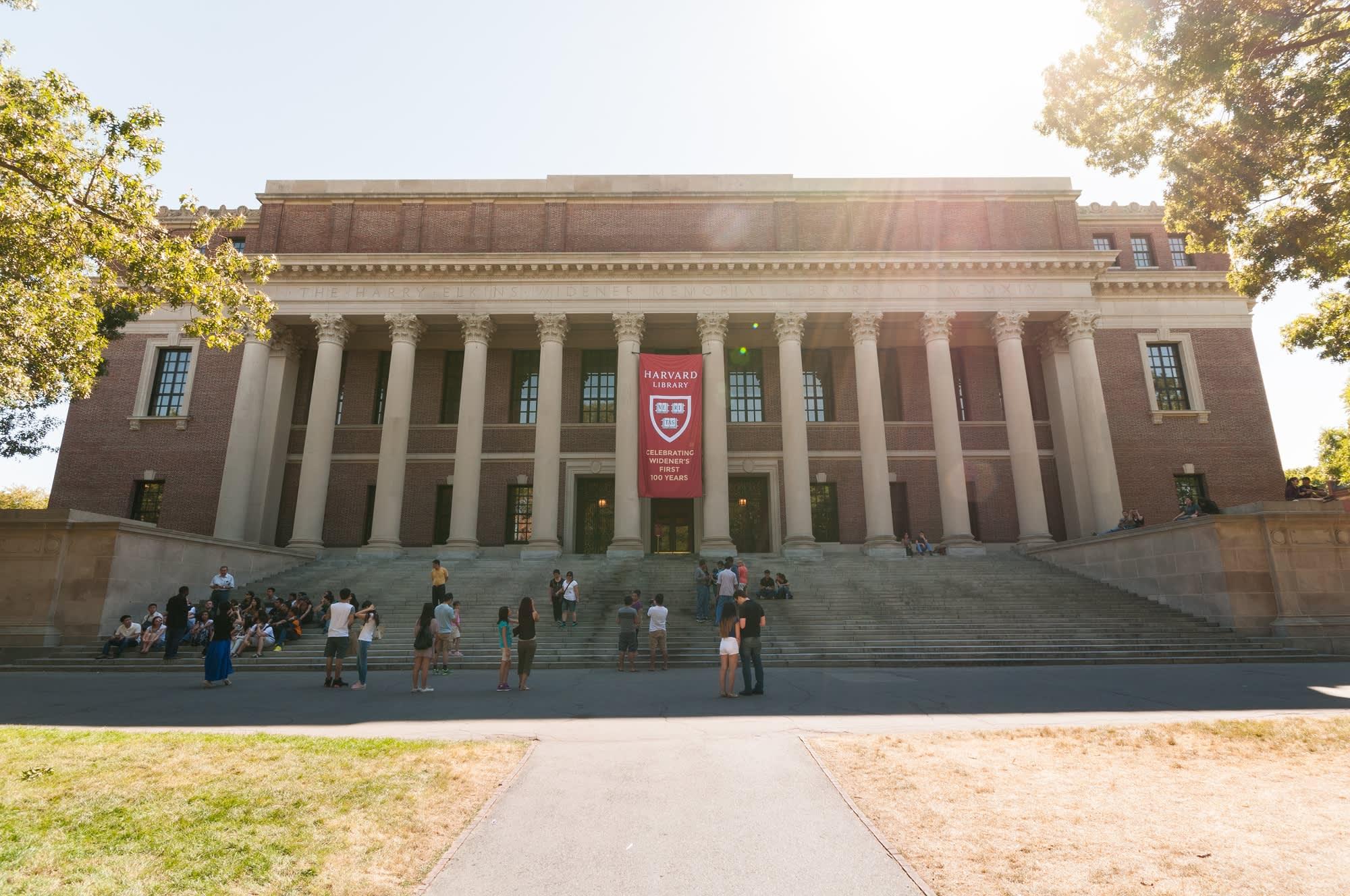 Harvard moves classes online, tells students don't return after spring break