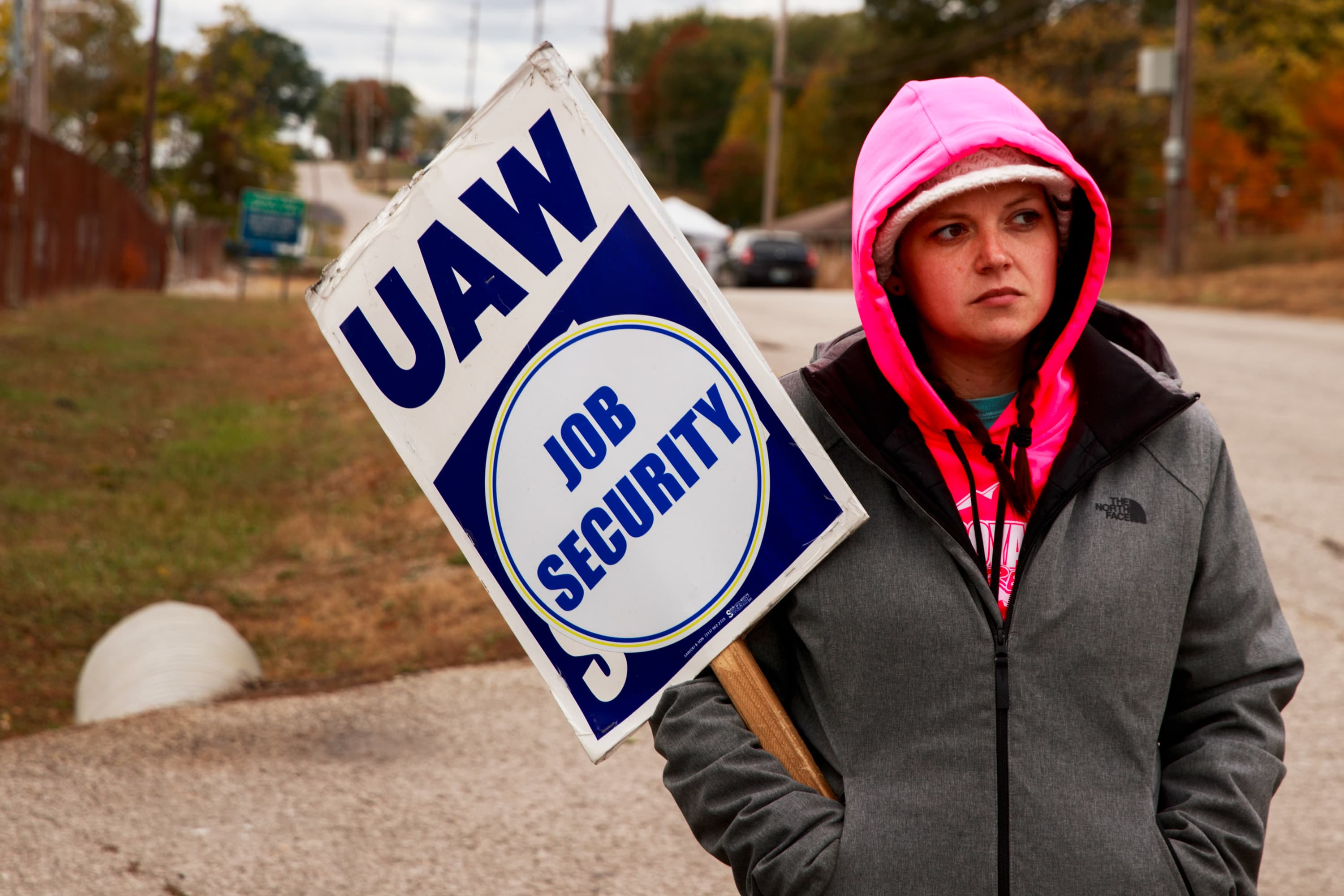Federal corruption probe, strike loom over UAW's voting on proposed labor contract with GM
