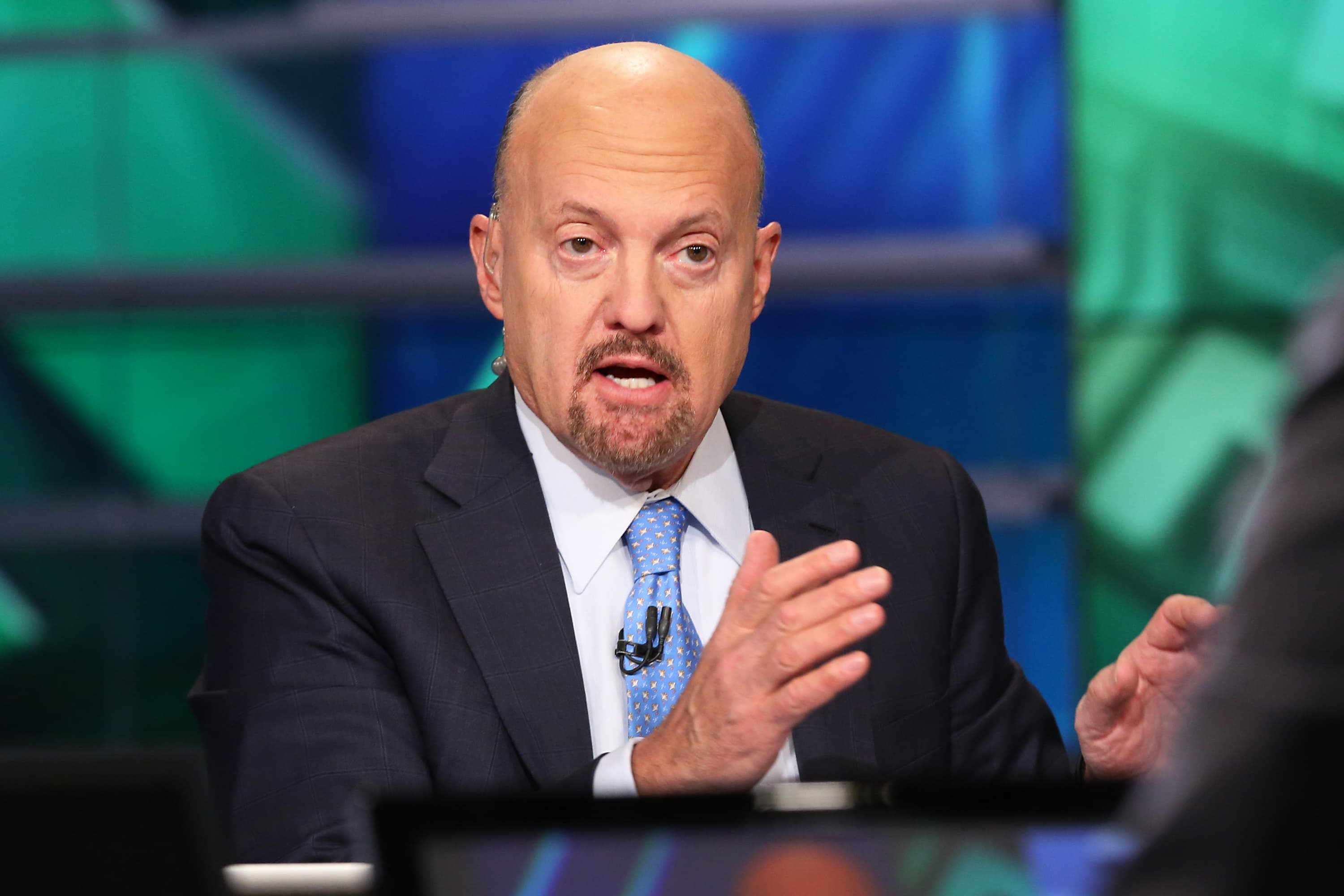 Cramer: 'Astounding numbers' at struggling GE, Raytheon may justify stock market's rally
