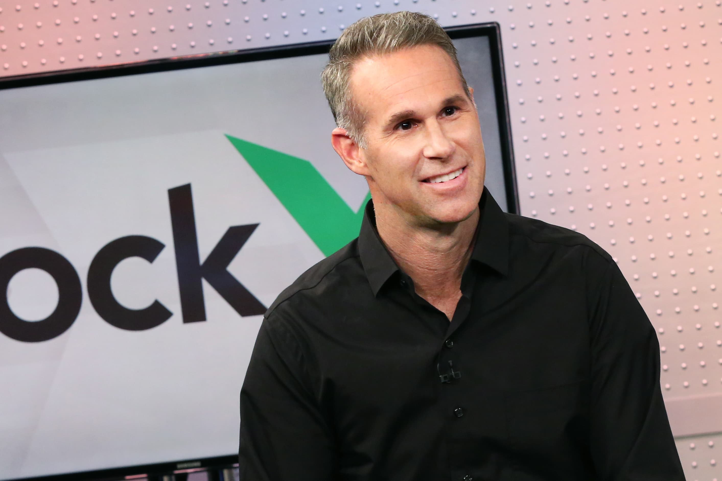 StockX's new CEO tells Jim Cramer going public is 'certainly our objective as a company'