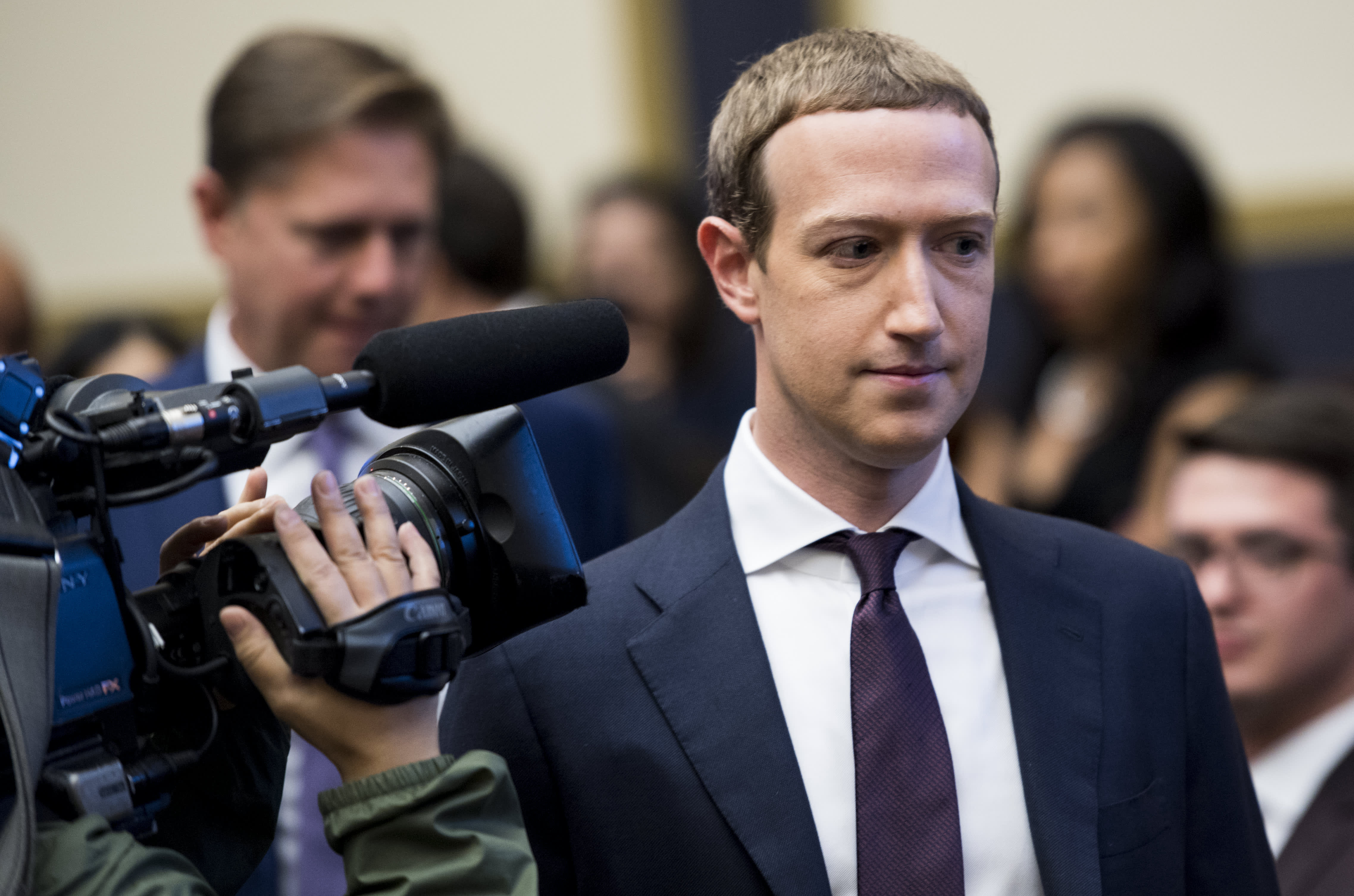 Image of article 'Civil rights leaders say they're 'disappointed and stunned' after call with Facebook's Zuckerberg and Sandberg'