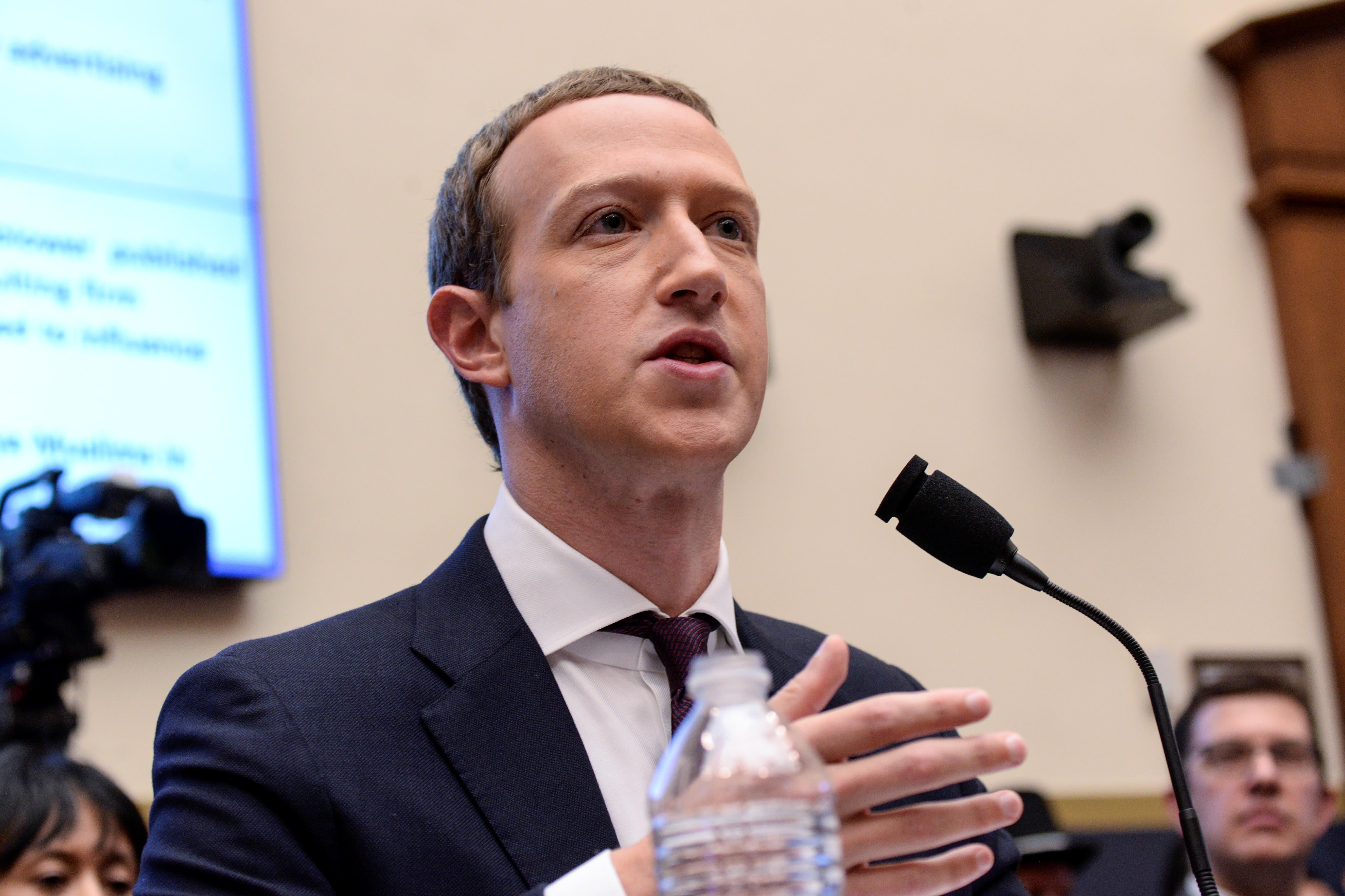 Wall Street seems to like Mark Zuckerberg's testimony, as Facebook shares rise