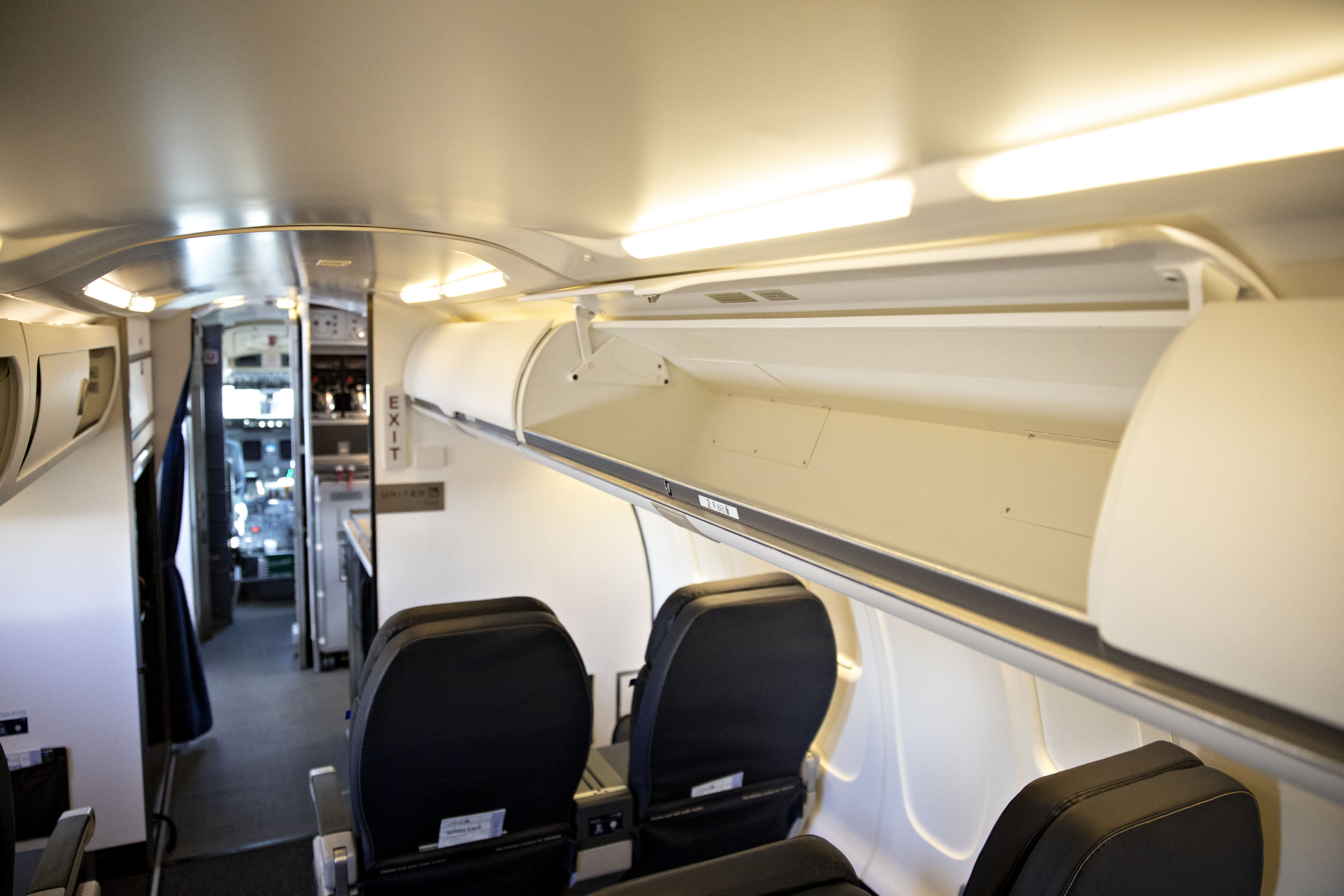 United Adding Bigger Overhead Bins To Avoid Stowage Wars,House Designs Pictures