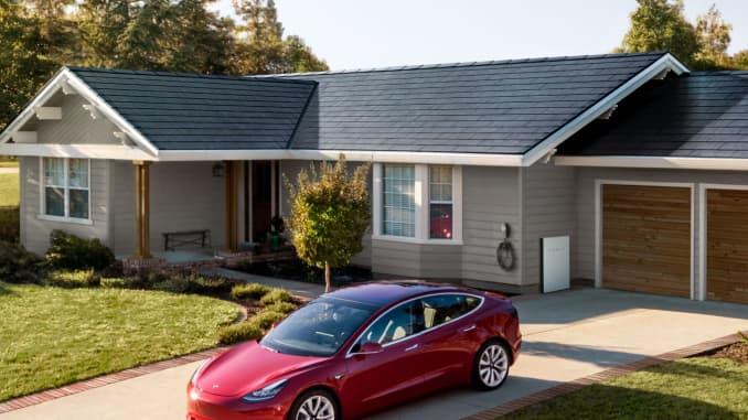 HANDOUT solar roof