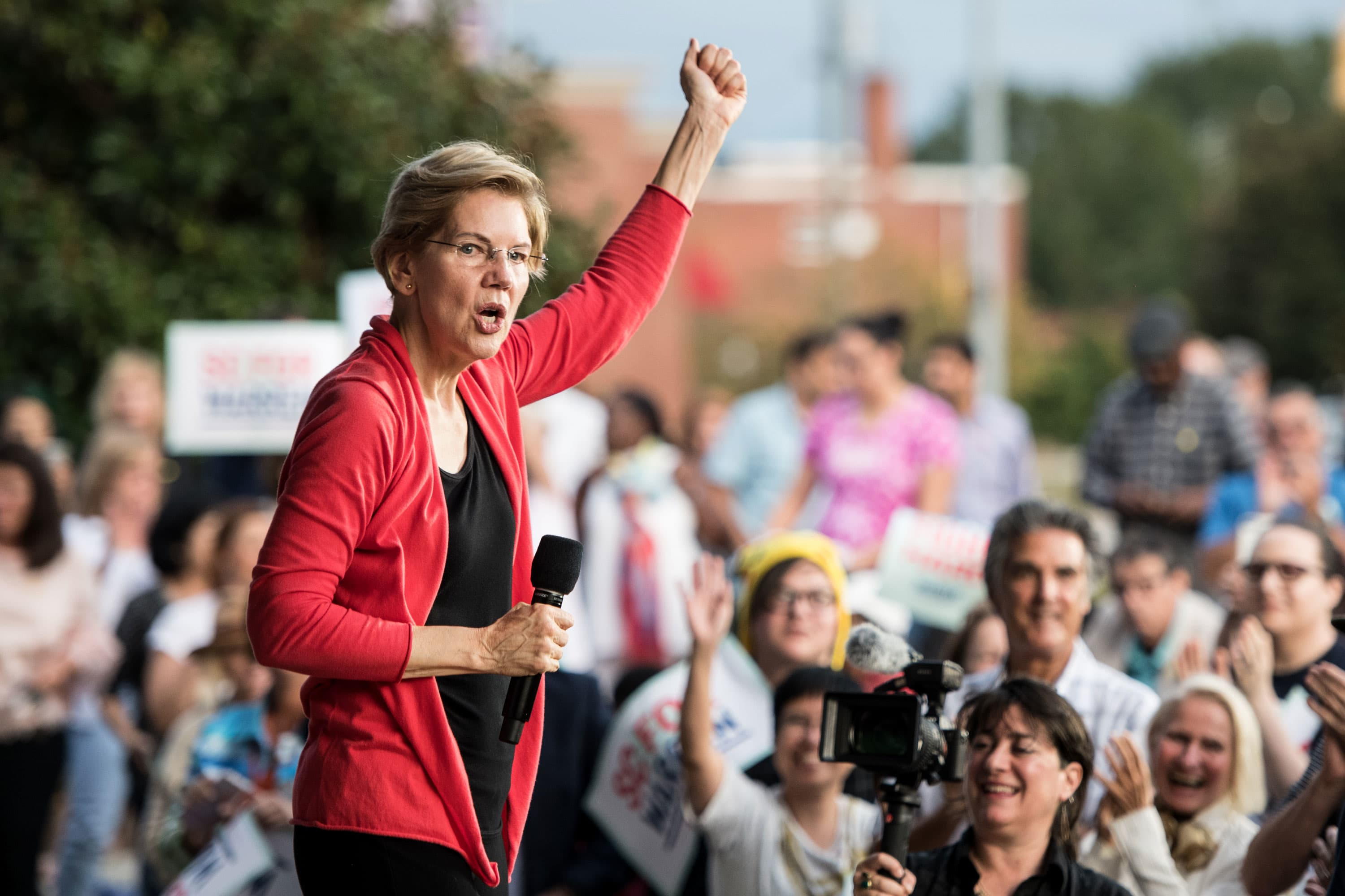 Elizabeth Warren says 'Medicare for All' will save employers $200 billion over decade