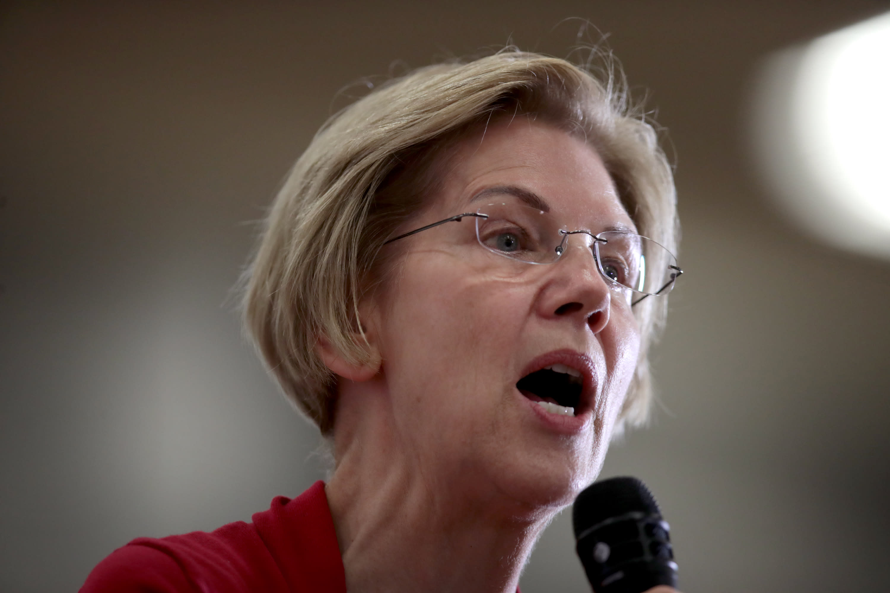 Elizabeth Warren blasts Navient, student loan servicer where billionaire Leon Cooperman is stakeholder