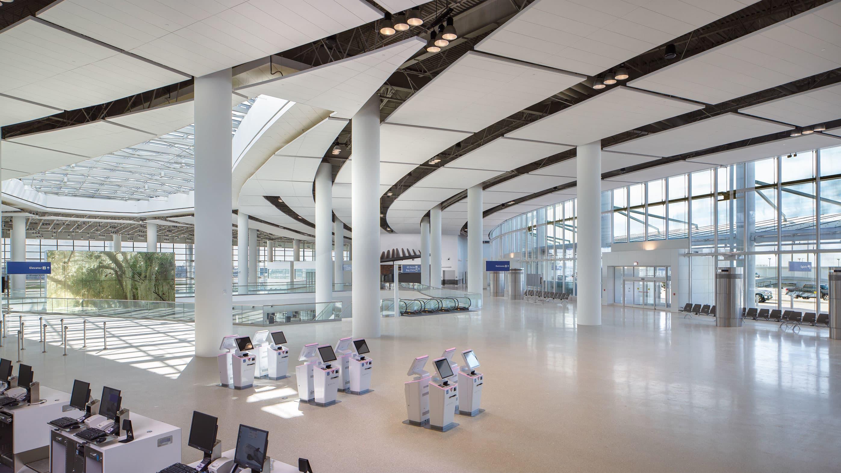 New Orleans airport debuts $1.3 billion terminal