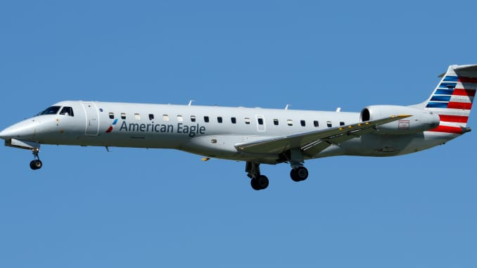 AP: American Eagle Embraer ERJ-145