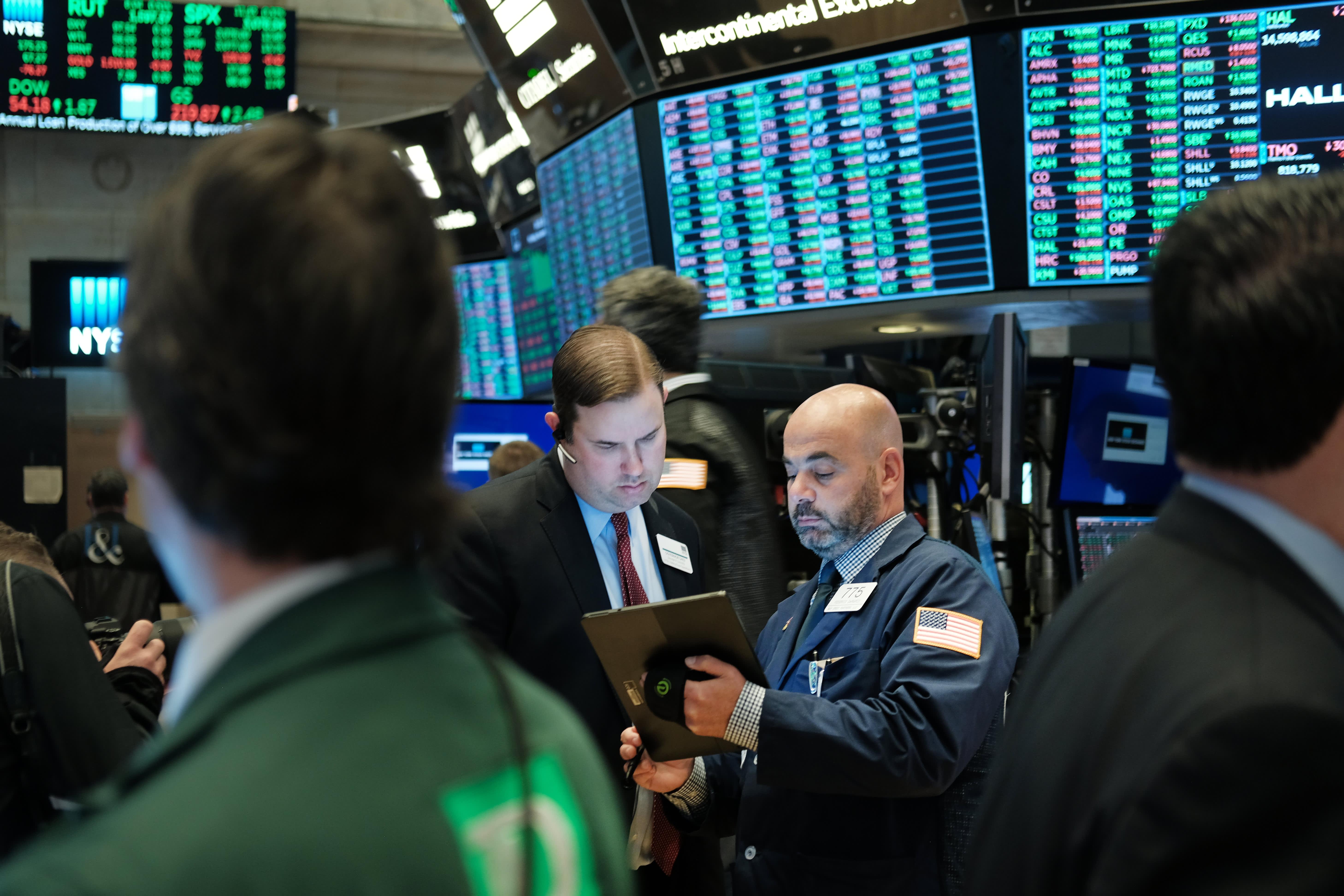 Stocks making the biggest moves premarket: JP Morgan, Delta