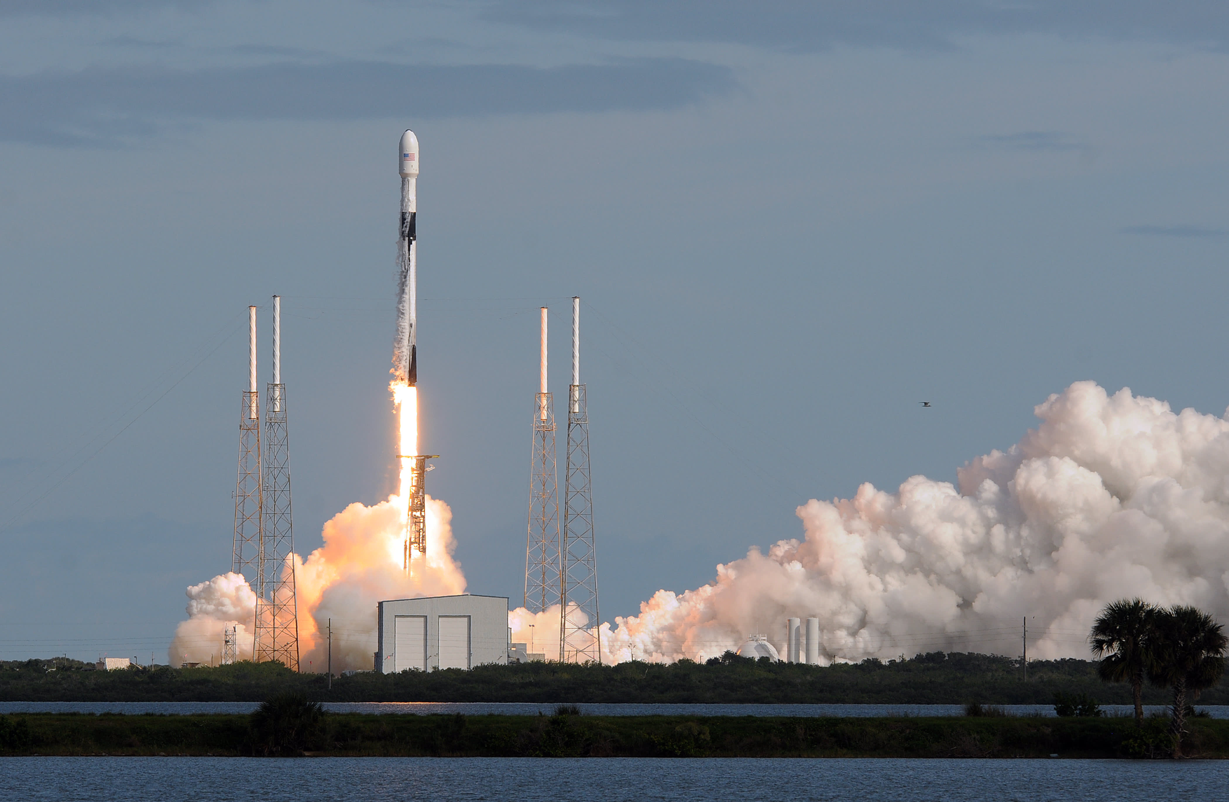 Why SpaceX and Amazon plan to drastically increase the number of satellites orbiting Earth
