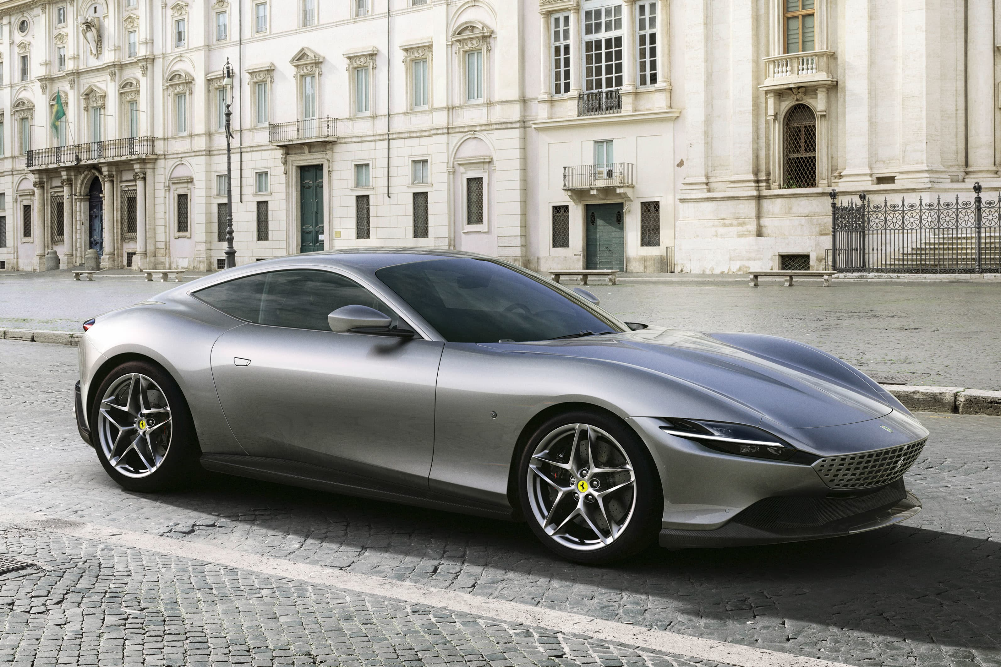Ferrari unveils new 600-horsepower 'Roma' model