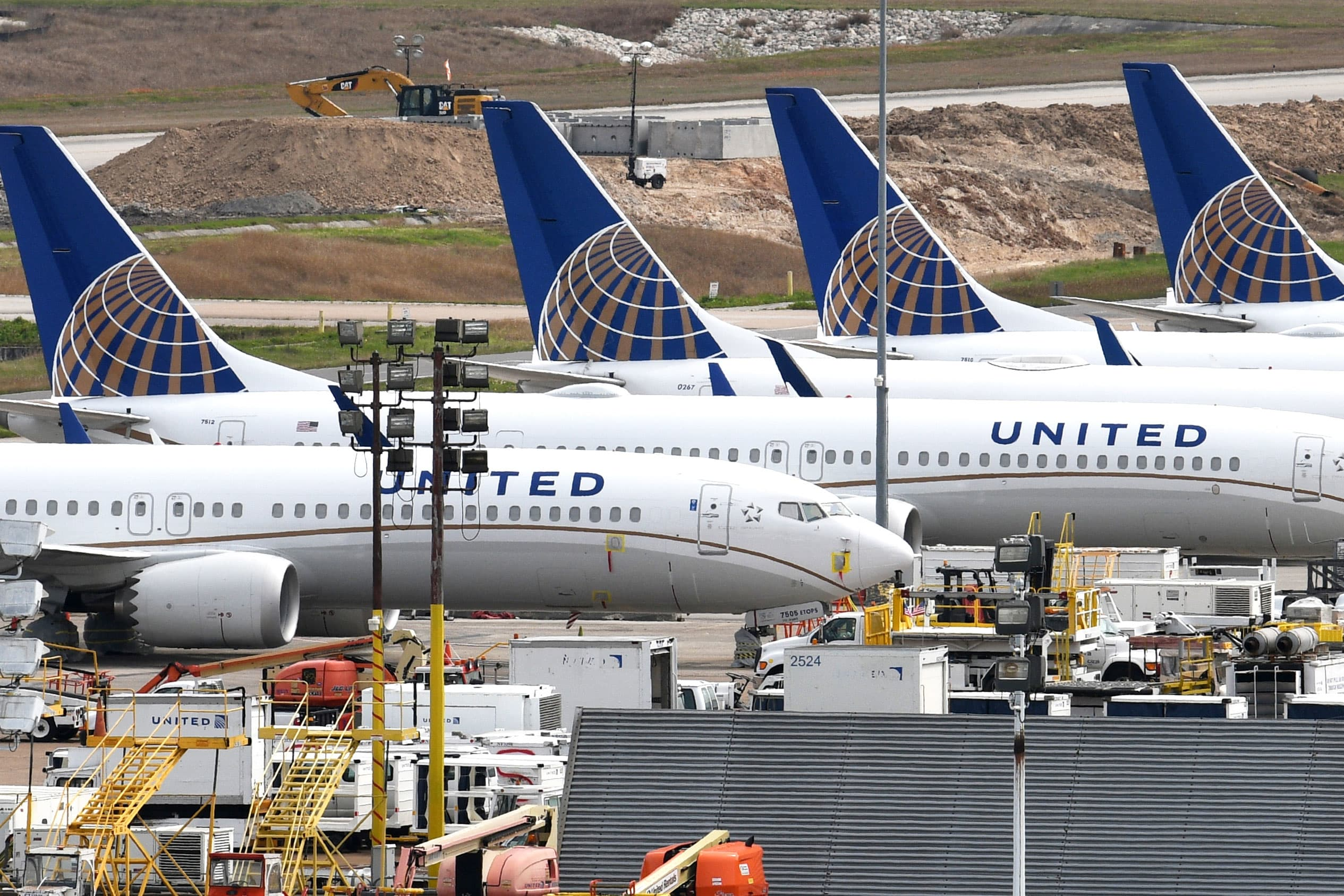 United cancels some Barcelona flights, waives cancellation fees as coronavirus derails Mobile World Congress